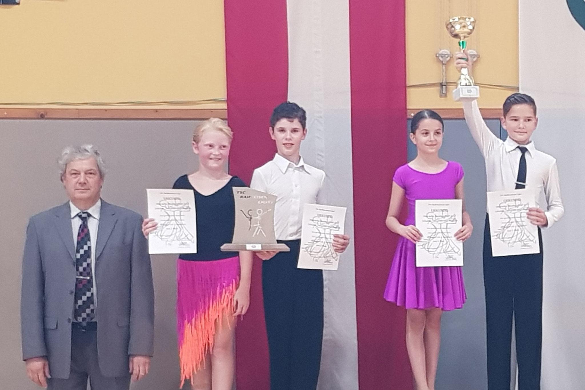 Schüler Standard D - 1. Emma Darabos/Matyas Beke - Gala Te (Ungarn)