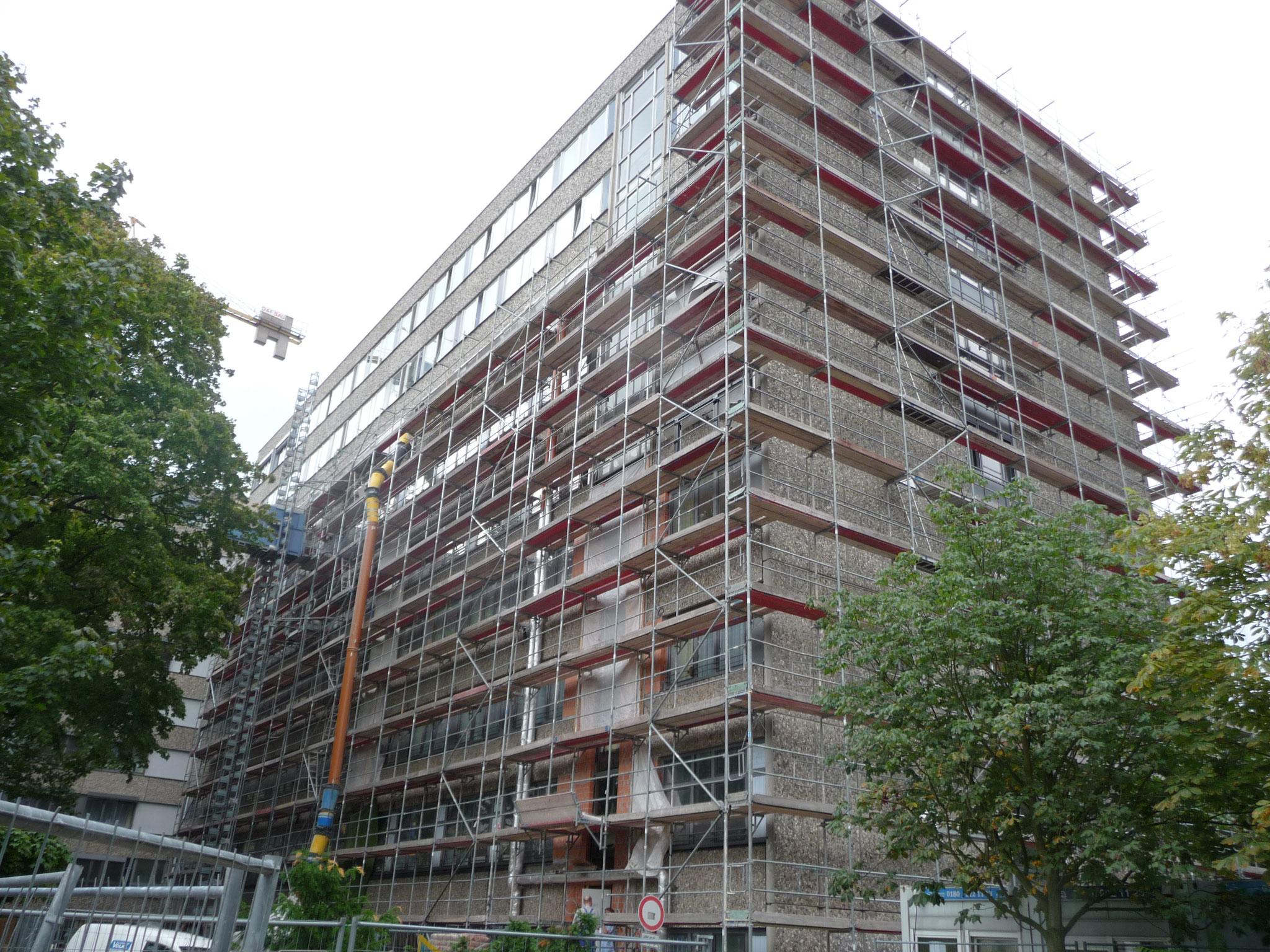 Ernst von Bergmann Klinikum Potsdam ca. 2600m² Fassadengerüst Lastklasse 3