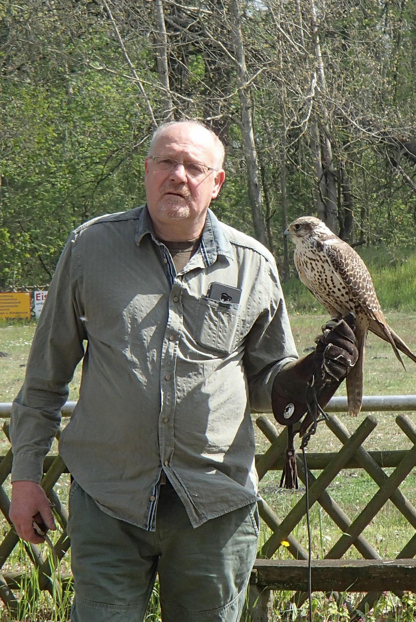 Falkner Gerd Teuber aus Satuelle
