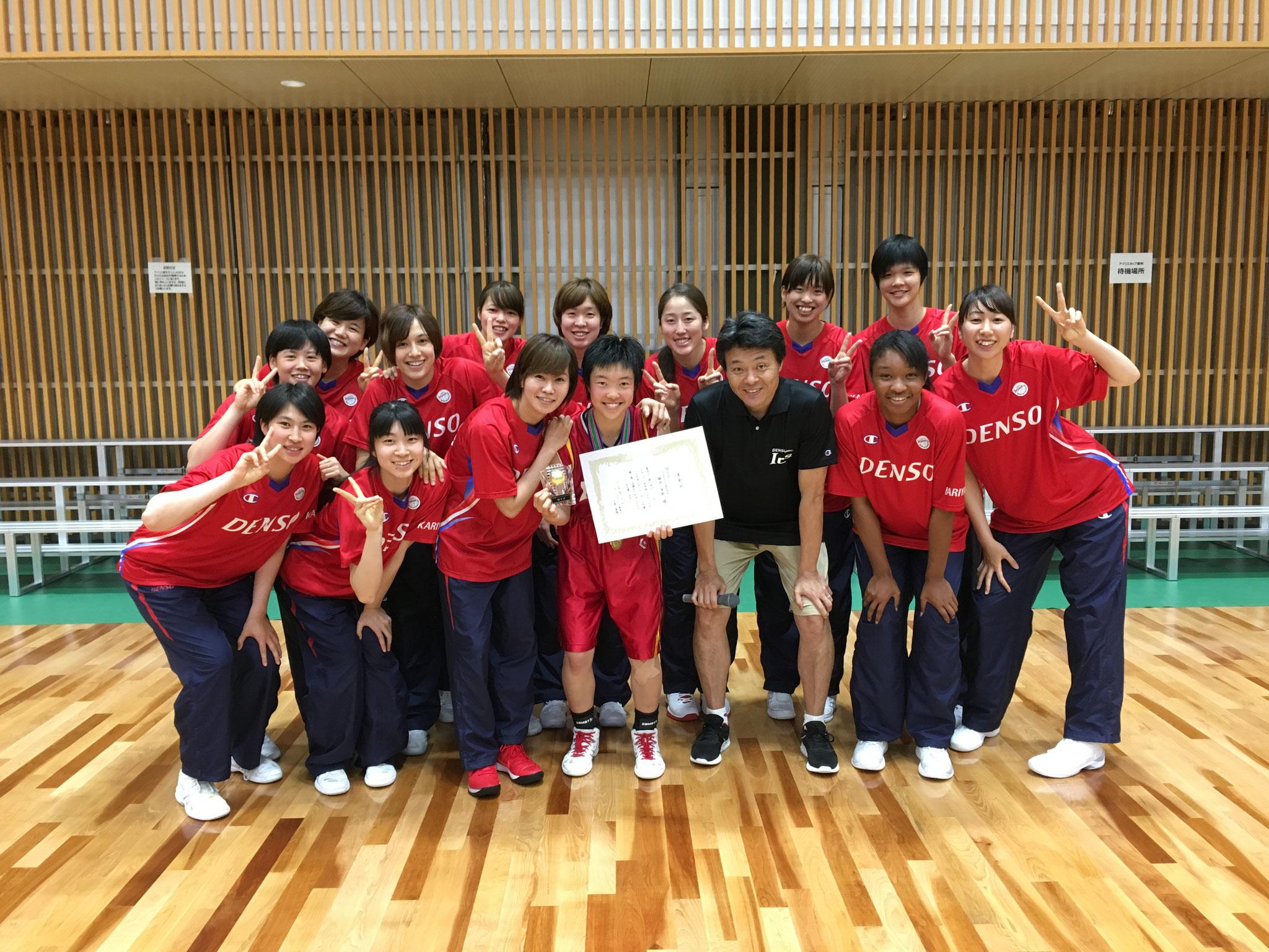 大会MVP「刈谷市立刈谷南中学校 #5脇田実郁選手」記念撮影