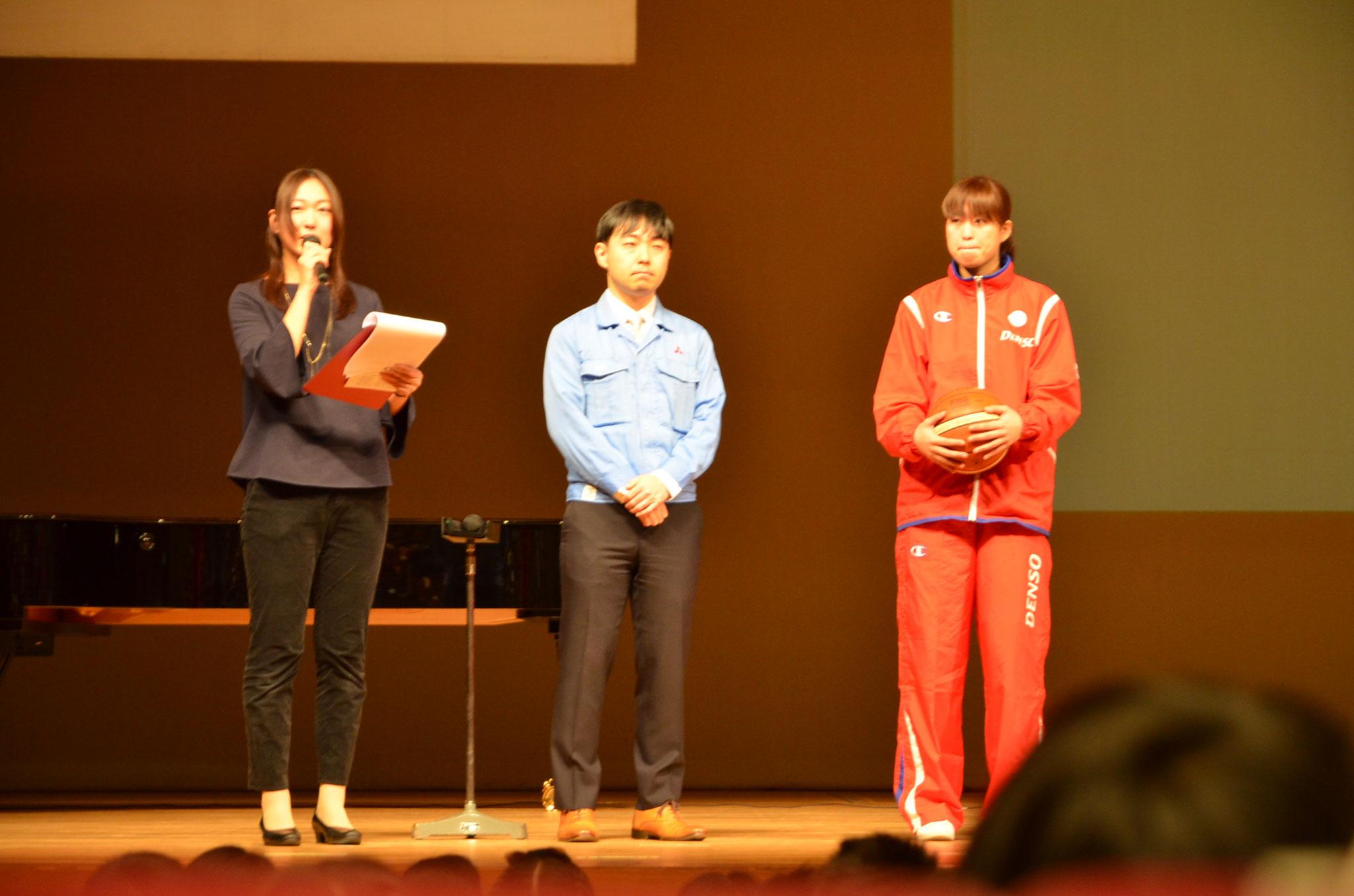 社会人講師紹介(左:ロケット開発技術者 山本さん / 右:粟津選手)