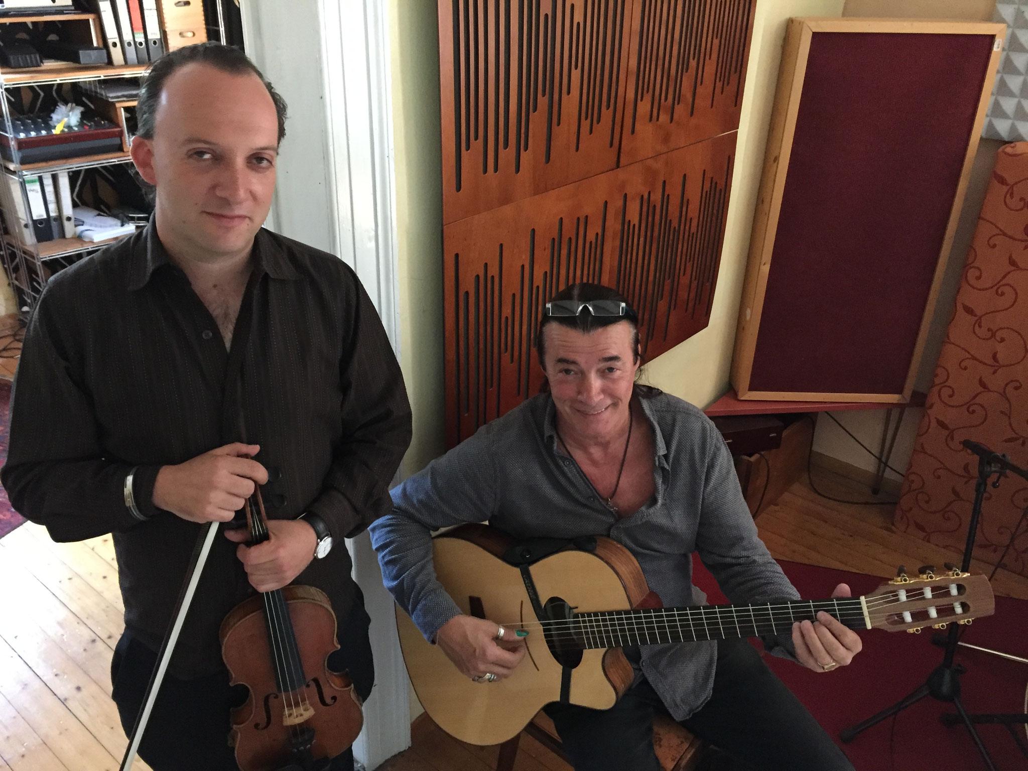 """Daniel Weltlinger und Lulo Reinhardt spielen/sind  """"Freunde"""""""
