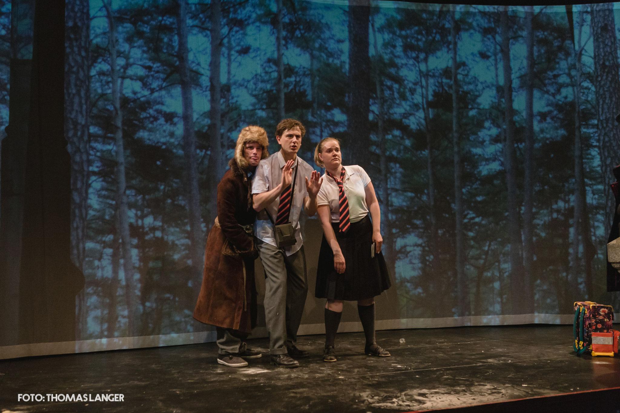 """""""Der unvergessene Mantel""""- Stadttheater Fürth/KULT - Theater Mummpitz - Bühnenbild Maria Pfeiffer - Foto Thomas Langer"""