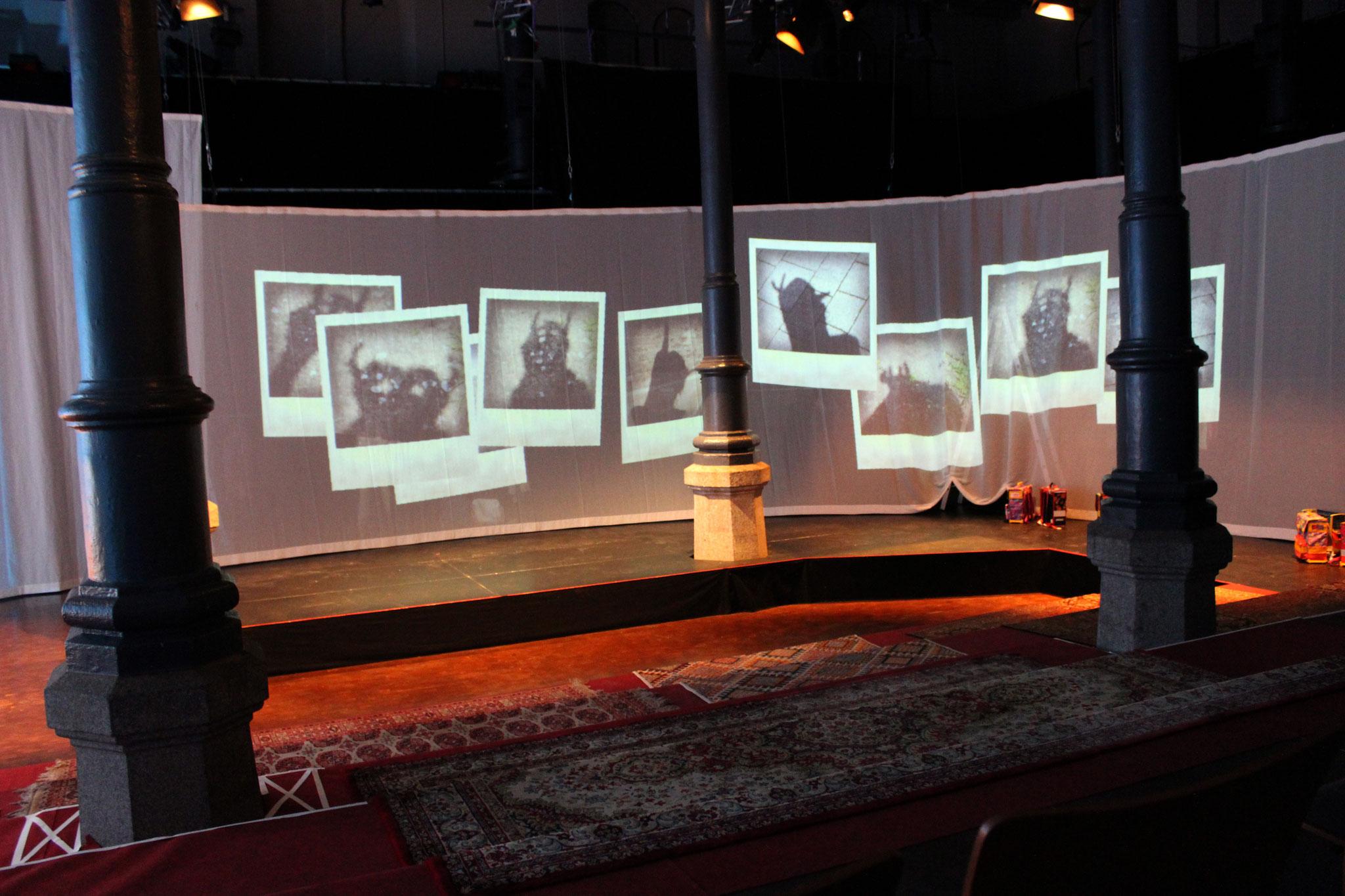 """""""Der unvergessene Mantel""""- Stadttheater Fürth/KULT - Theater Mummpitz - Bühnenbild Maria Pfeiffer - Foto Maria Pfeiffer"""