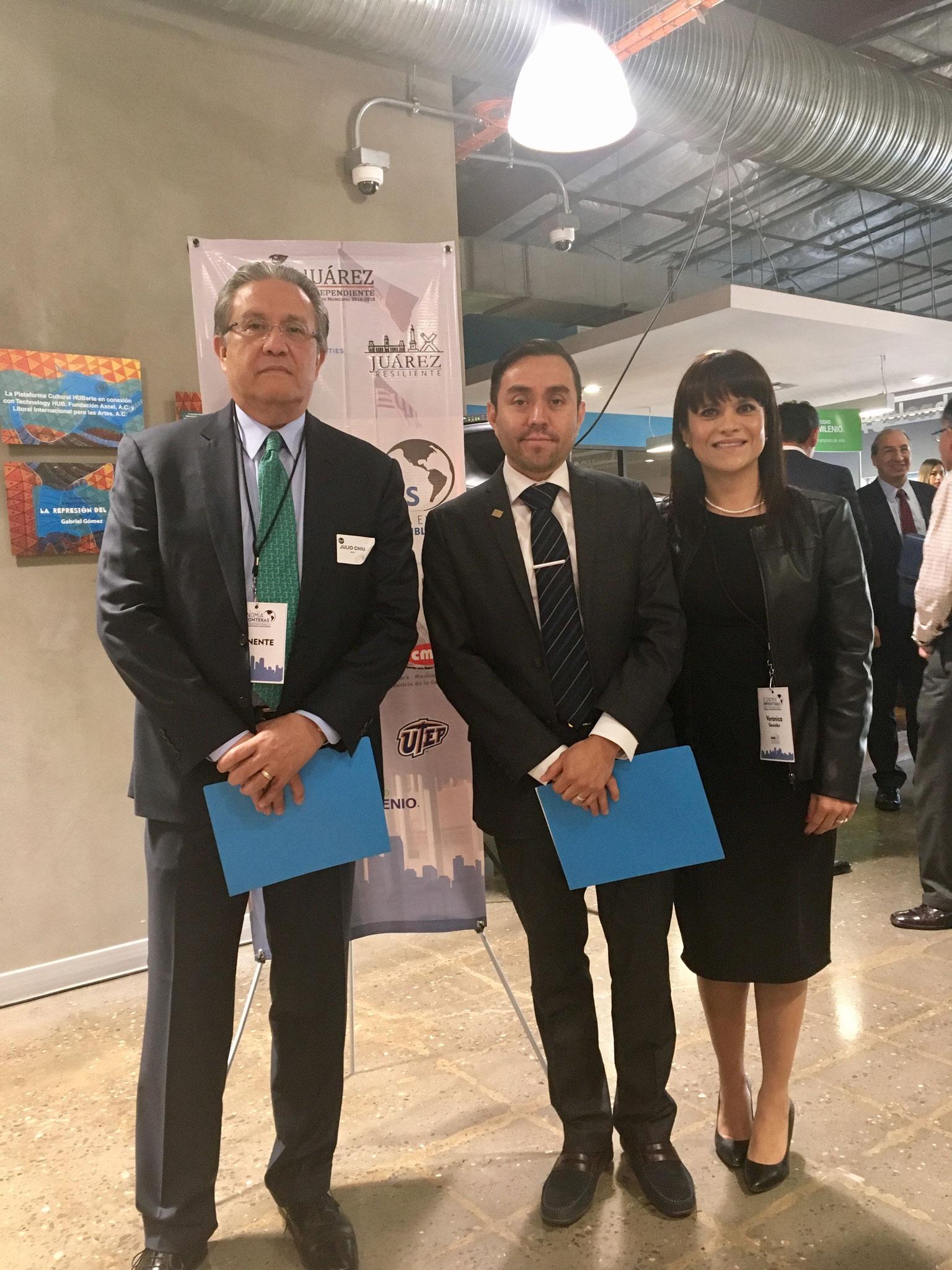 Con Julio Chiu empresario y Verónica González de Resiliencia Juárez, 2017.