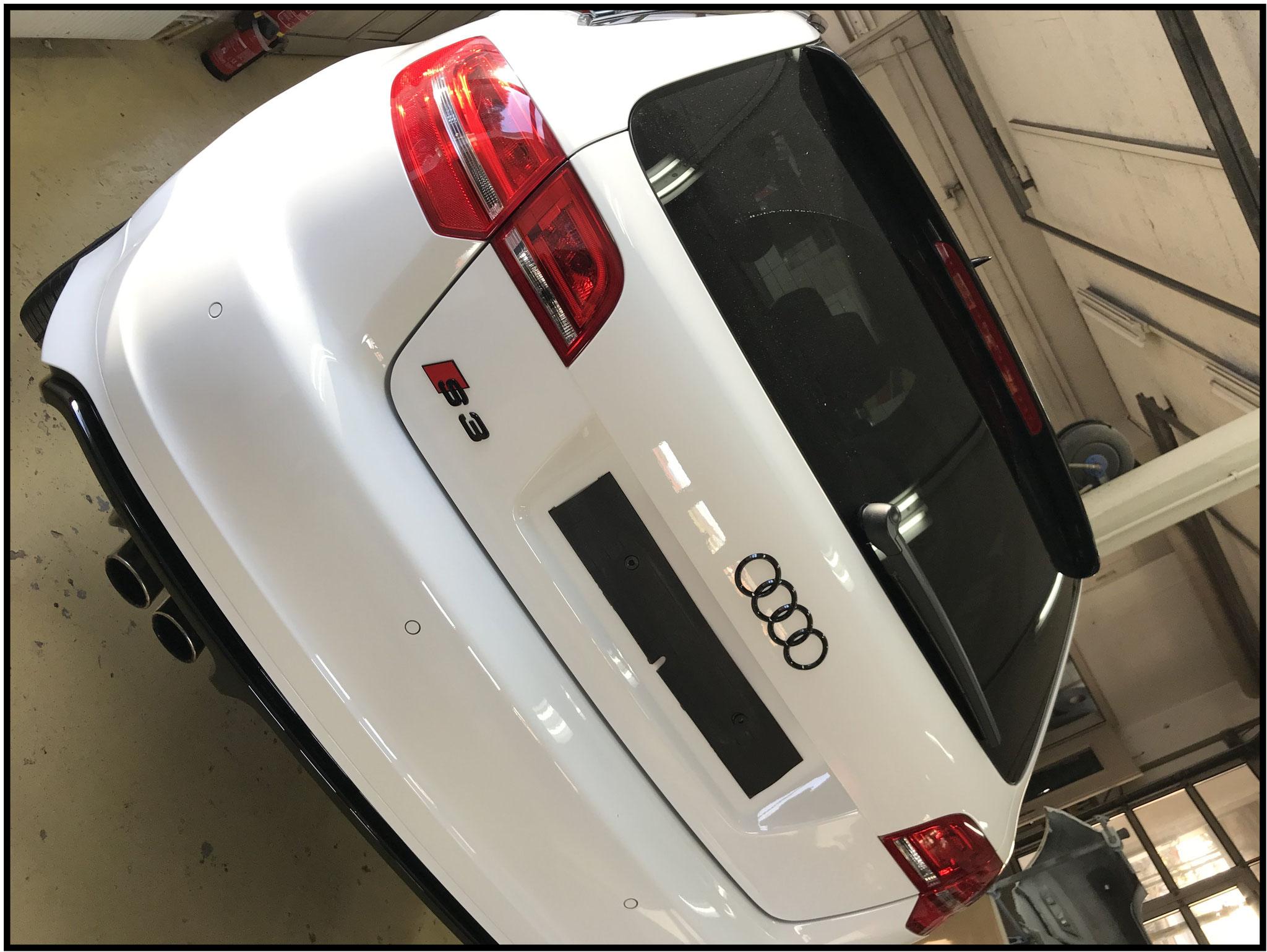 Audi S3 Emblem Glänzend