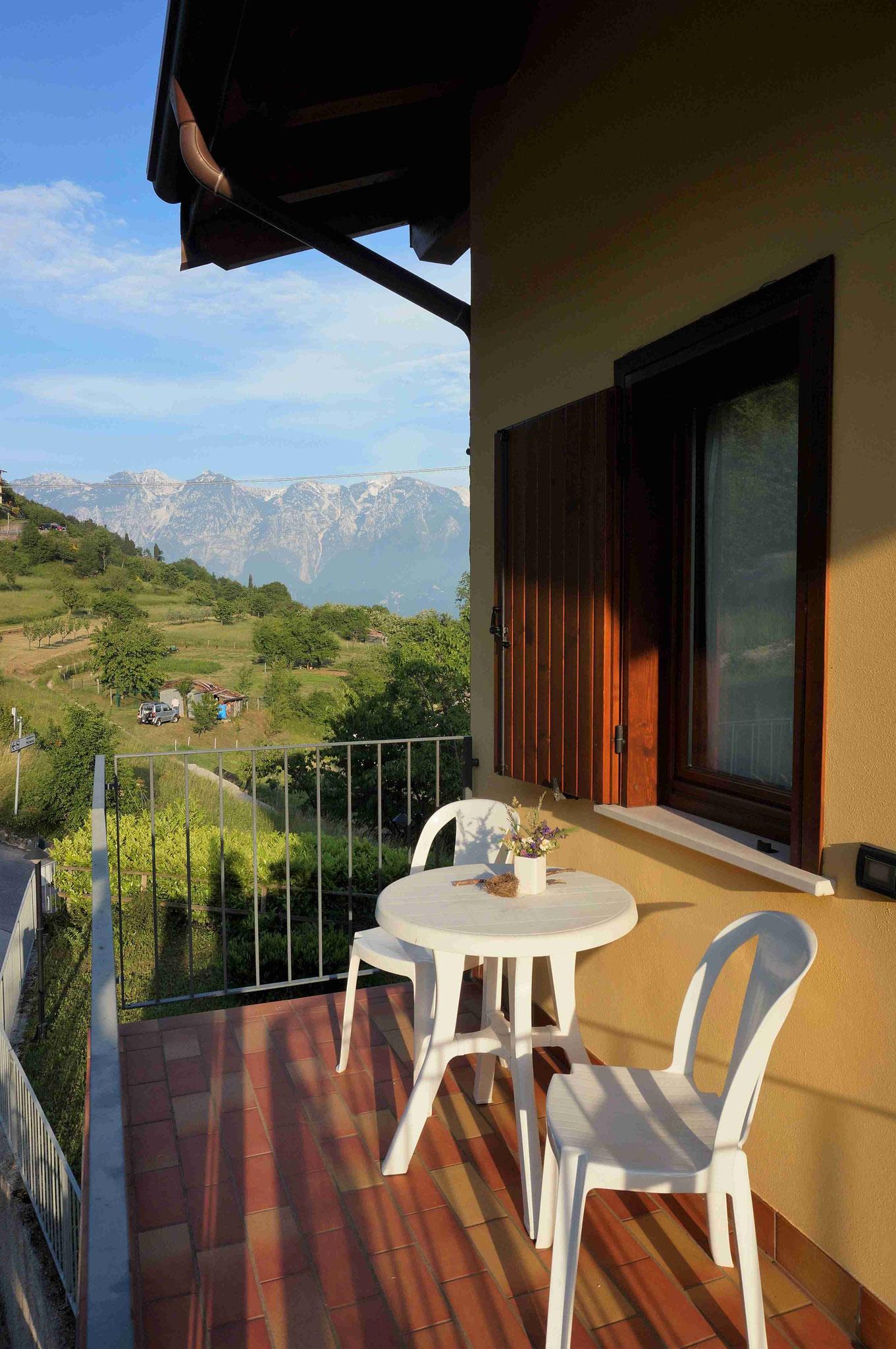 Appartement20 - hinterer Balkon mit Morgensonne und windstill