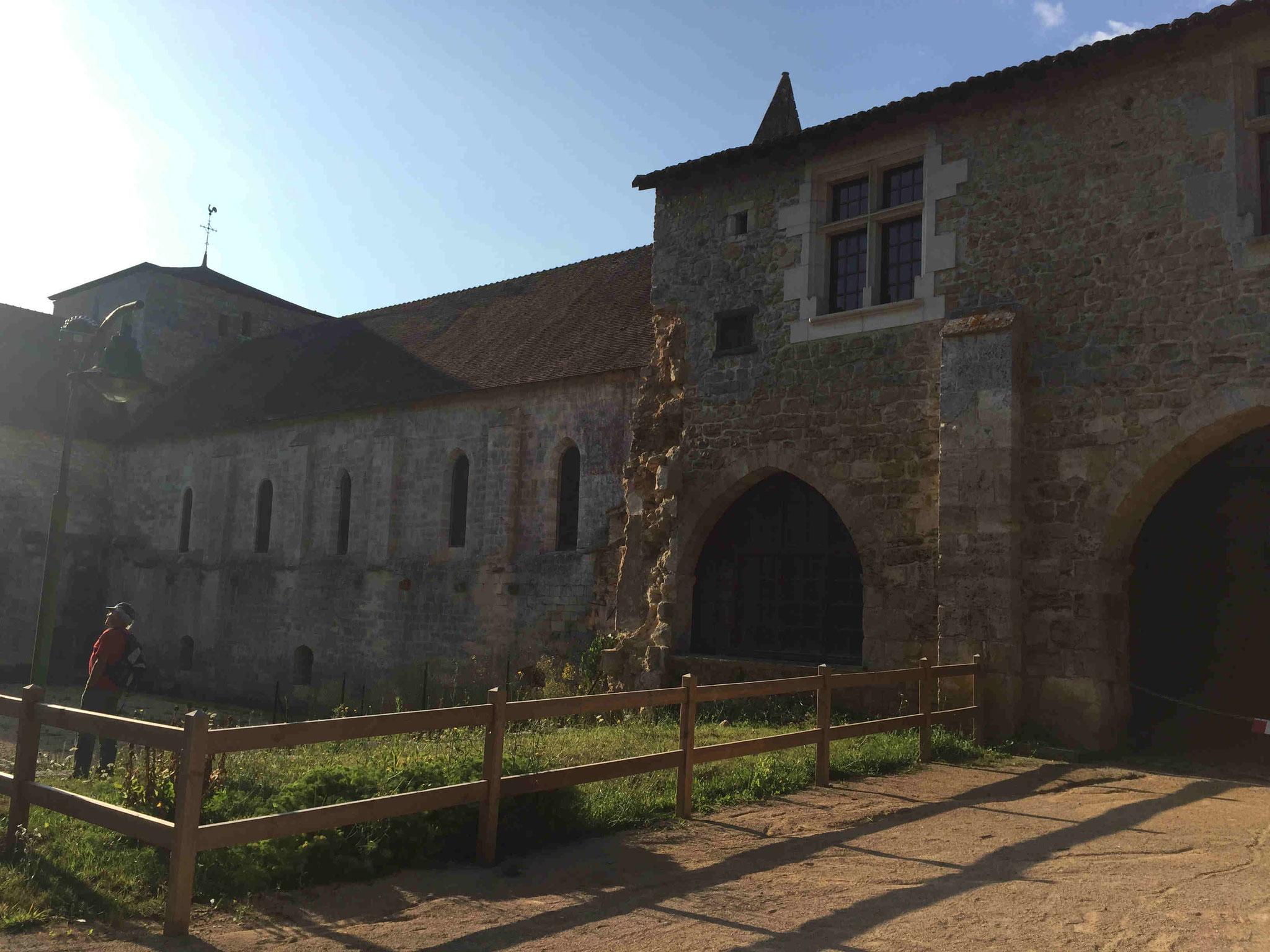 Abbaye de Fontaine le Comte.