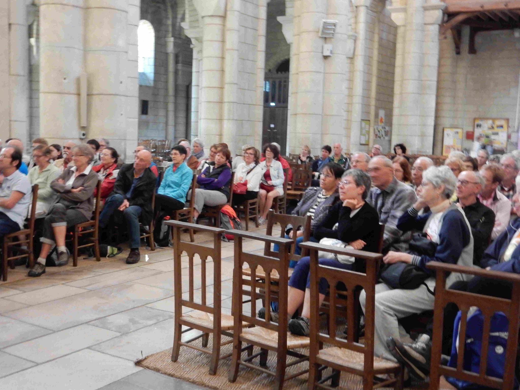 Saint-Hilaire : assistance à la conférence de Dominique Breillat