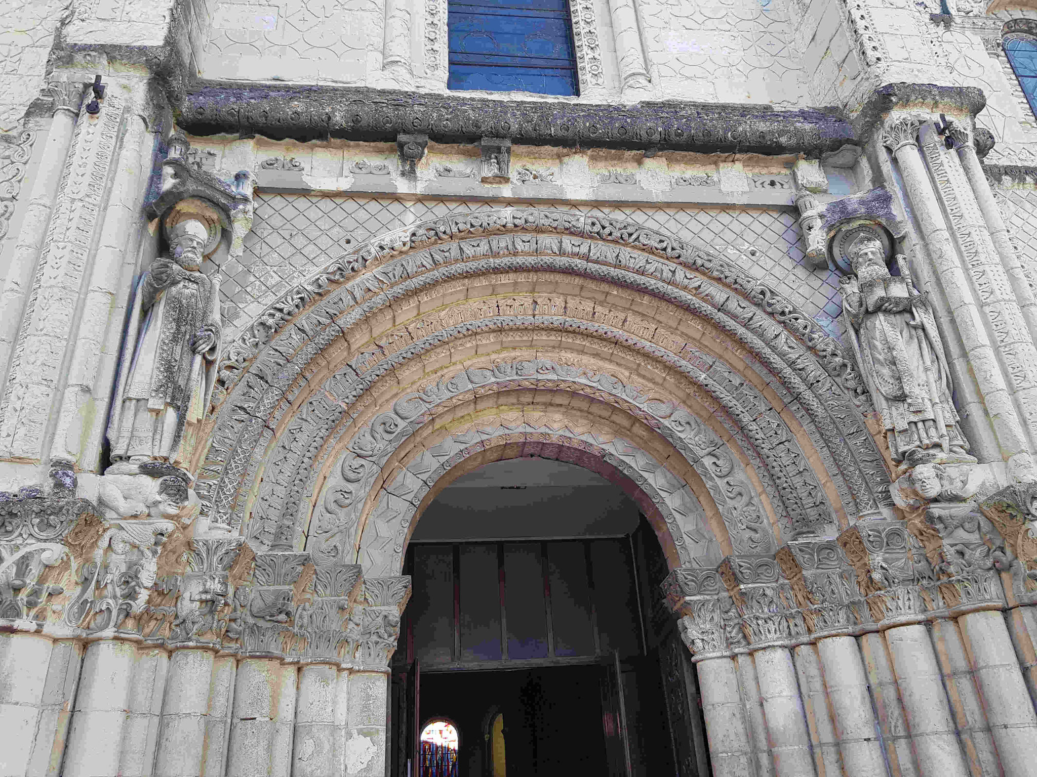 La façade de Saint Jacques.