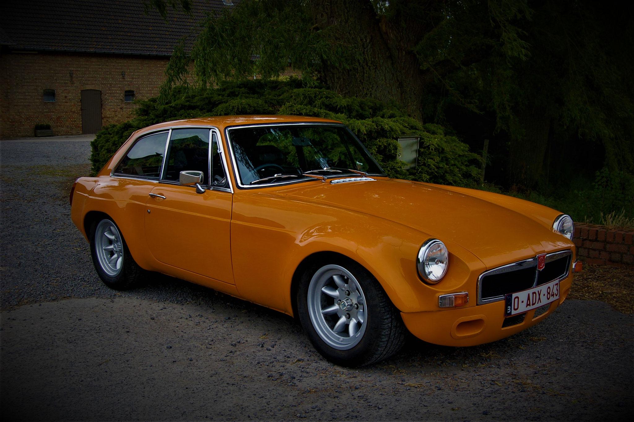 1018 - MG - B GT - 1972
