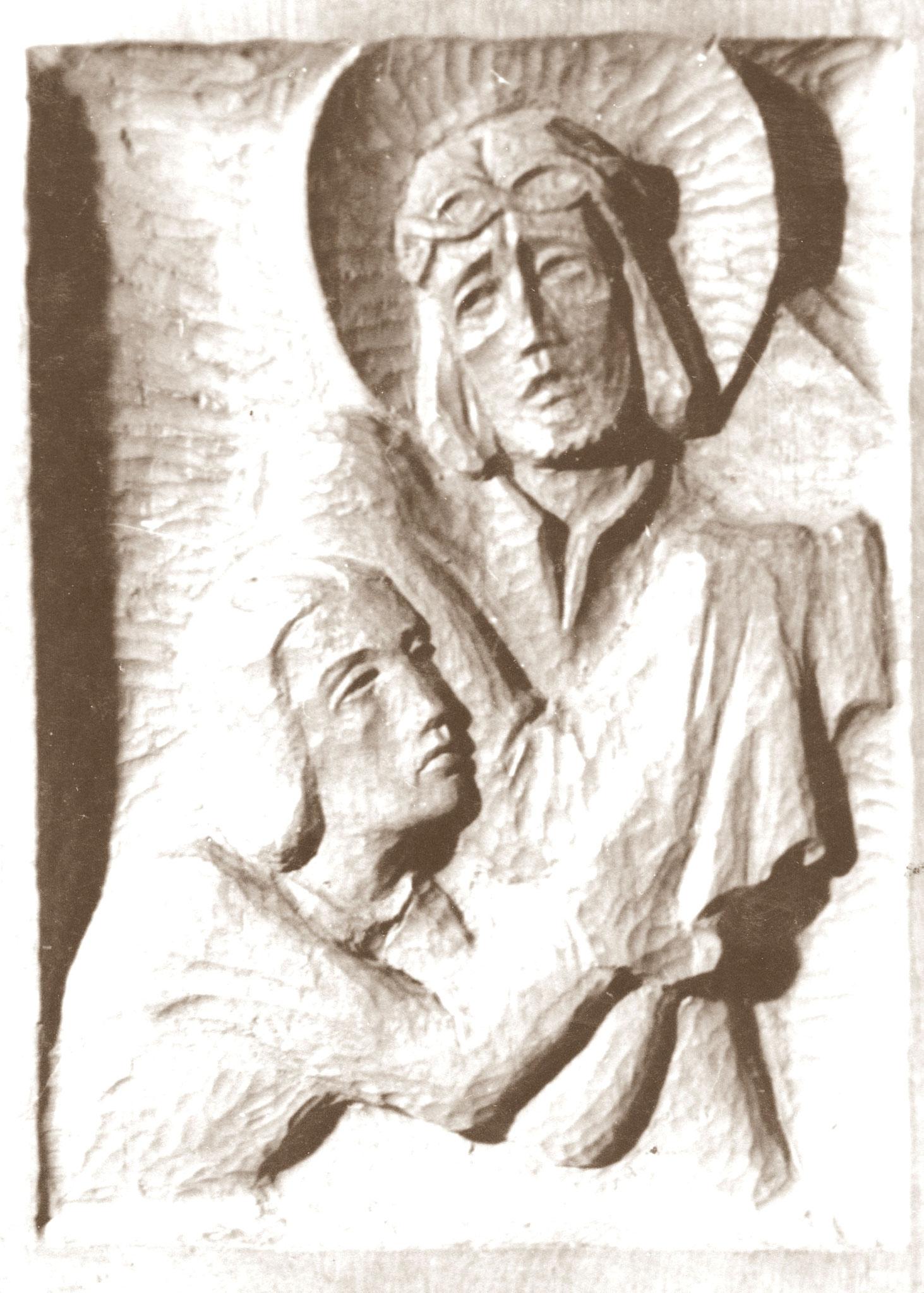 Teil eines aus Holz geschnitzten Kreuzwegs ca. 1952