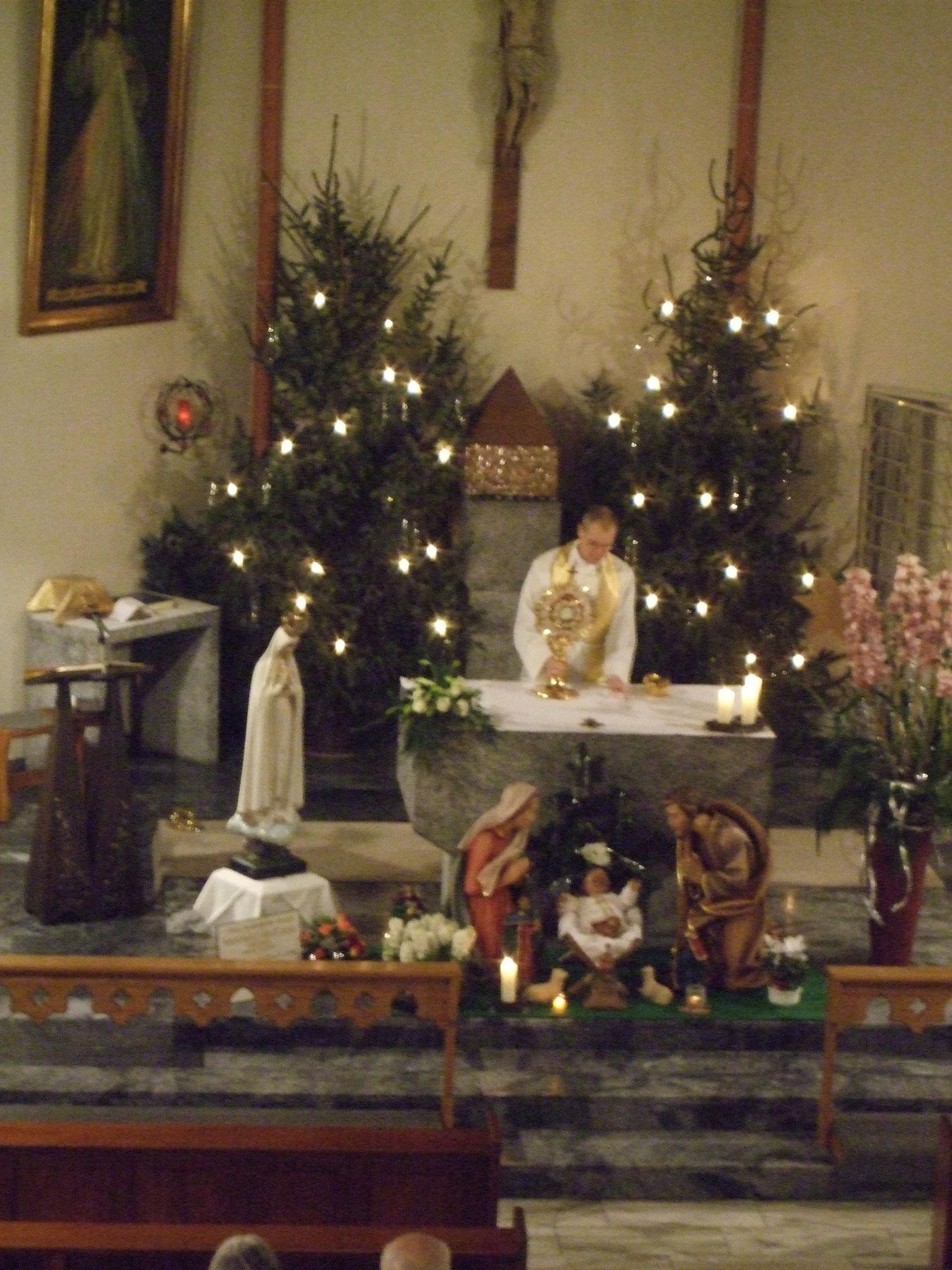 Anbetung beim Zönakel zur Weihnachtszeit