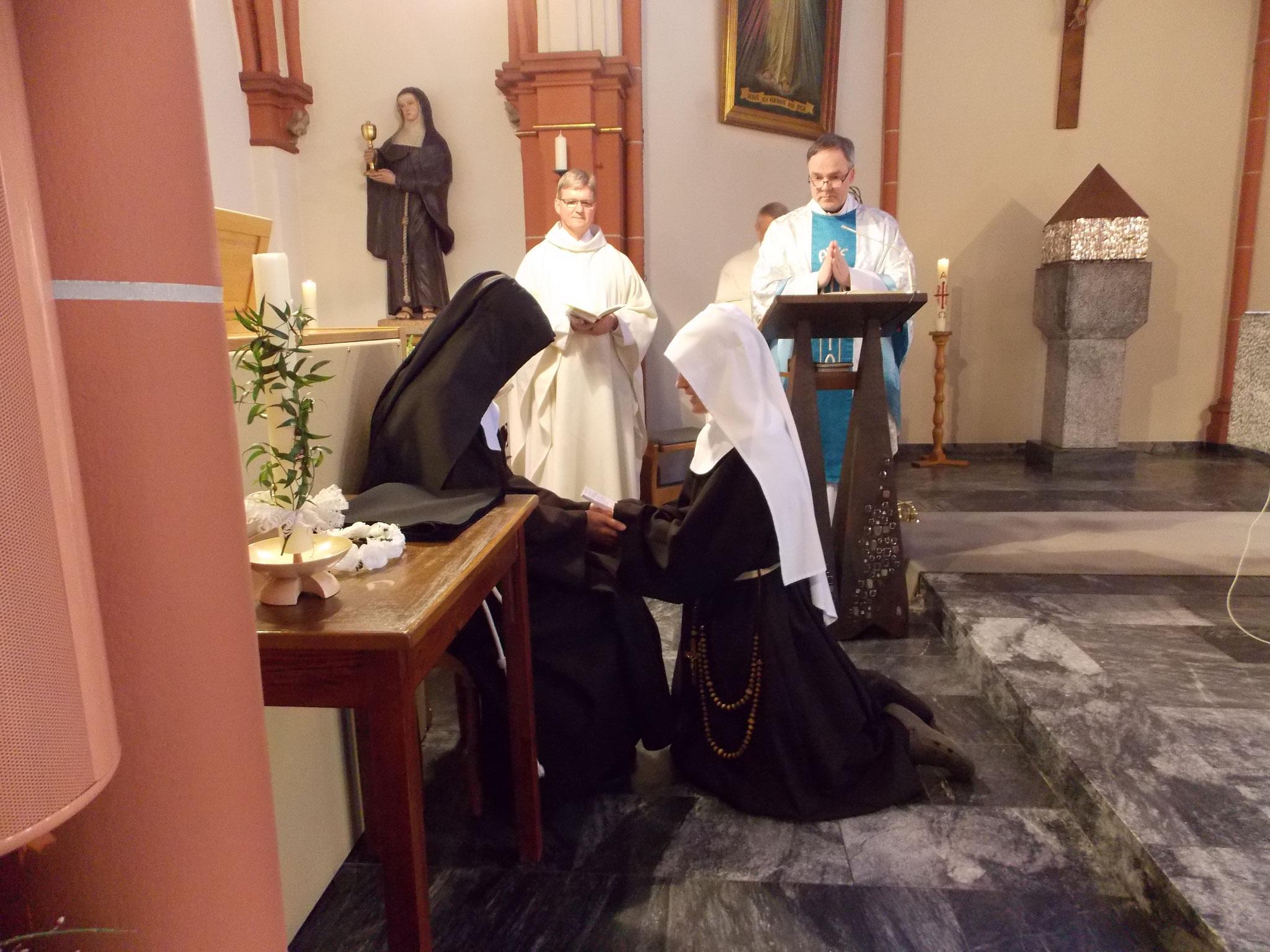 Ablegung der zeitlichen Gelübde von Sr. M. Bernadette (2017)