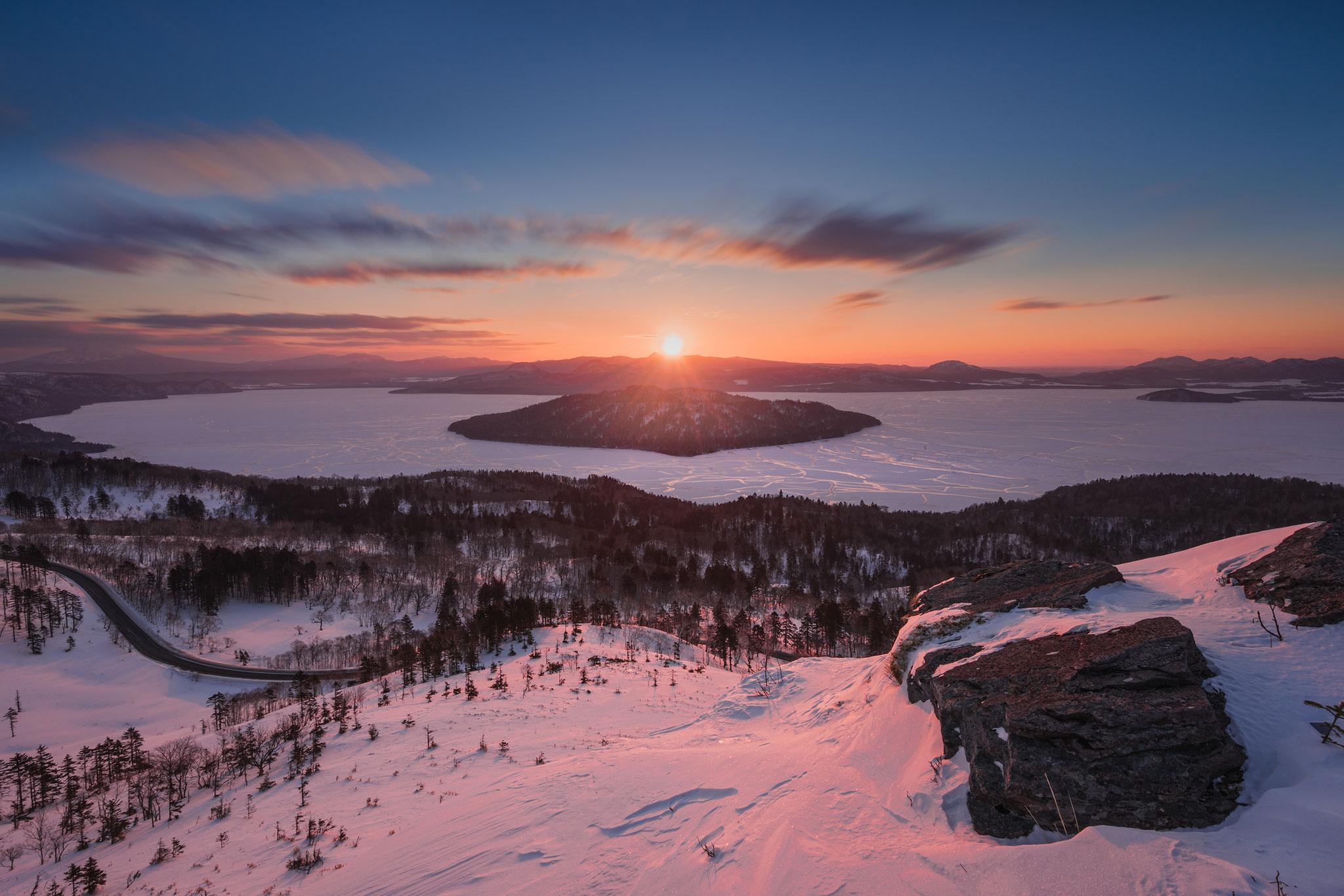 美幌峠の朝。極寒・長い夜を経てこの夜明けを見たときは感無量だった。