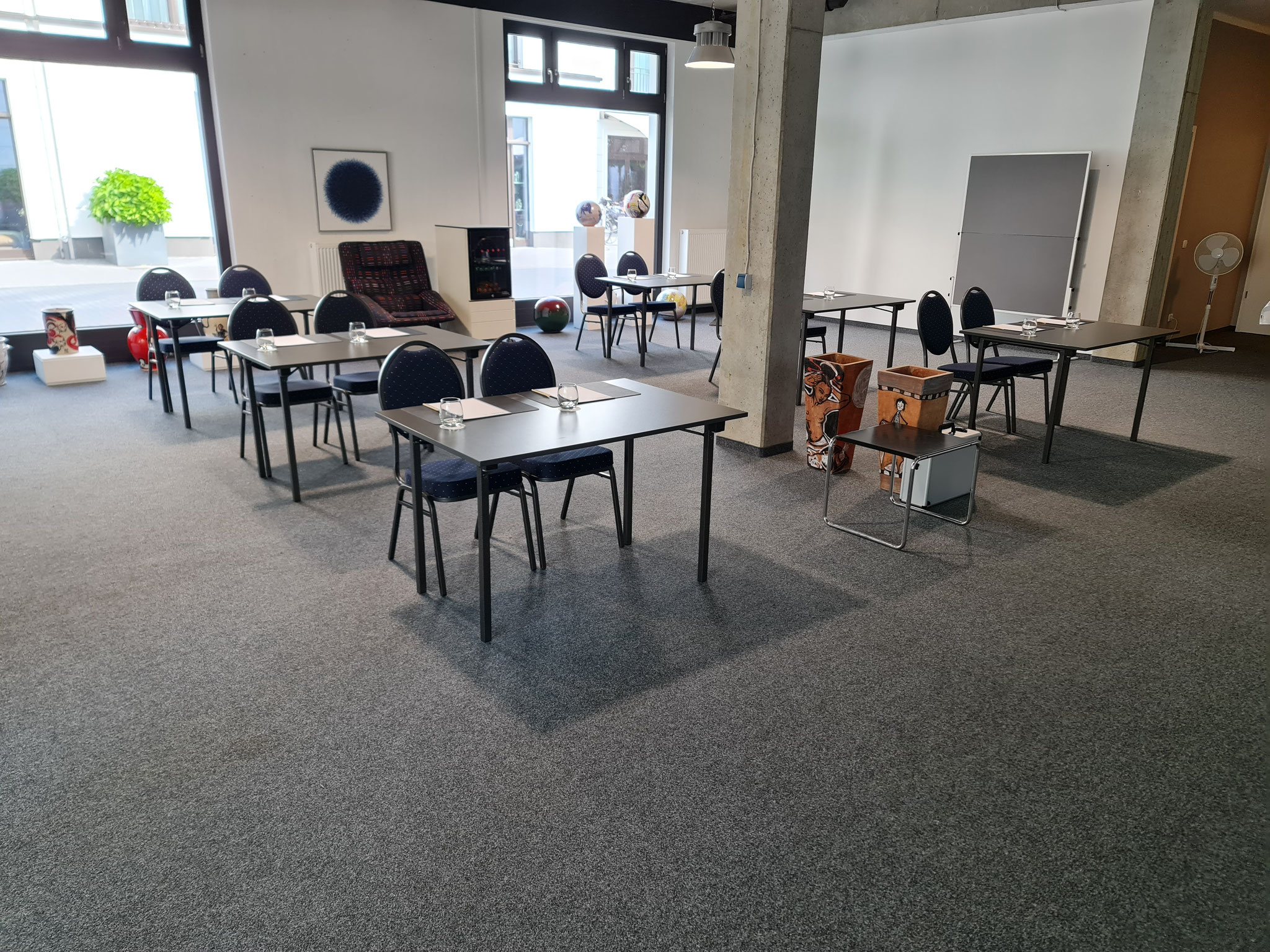 Tagung in der Galerie (Parlamentarisch)