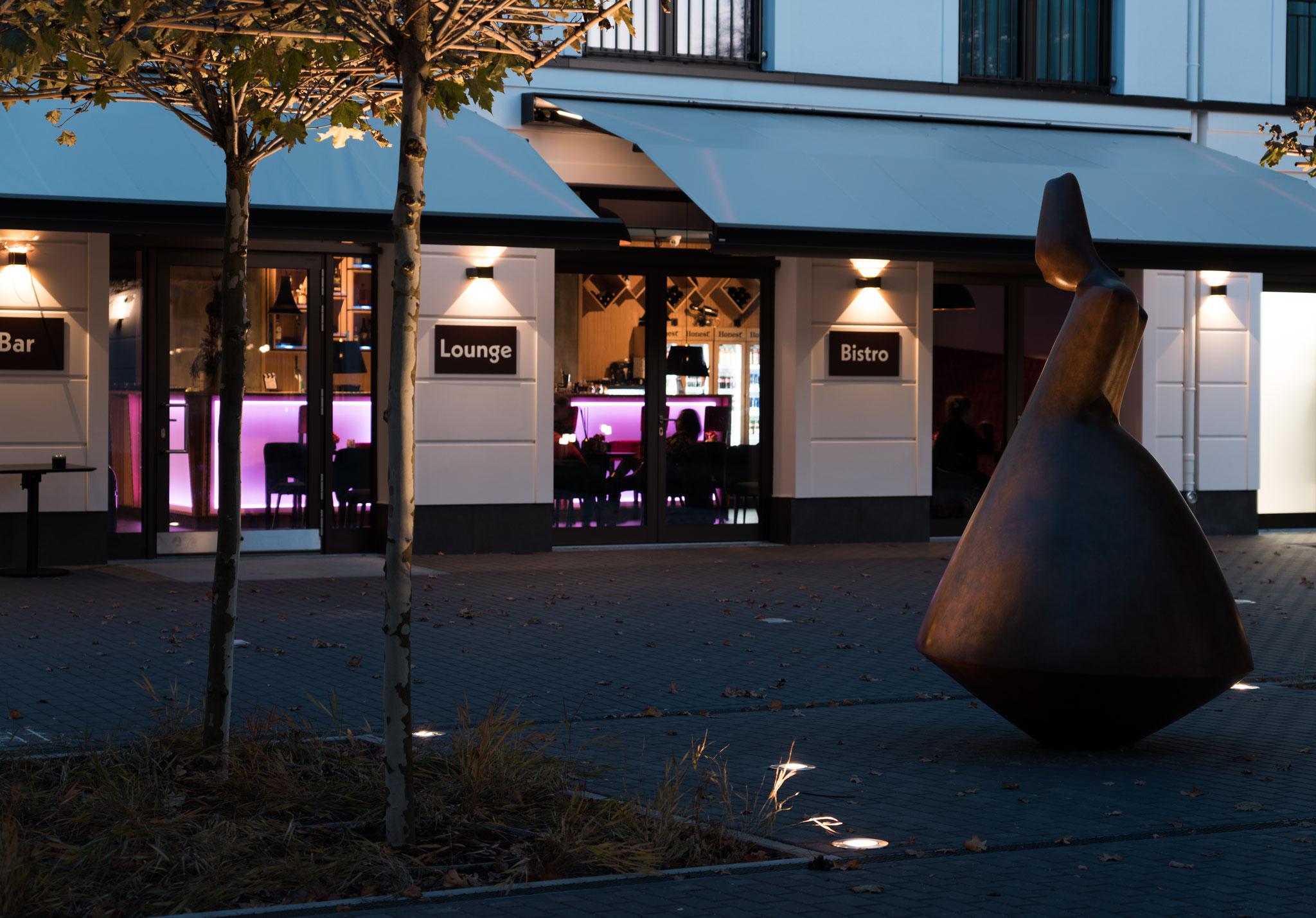 Außenansicht Bar, Café , Bistro, Eiscafé und Kino