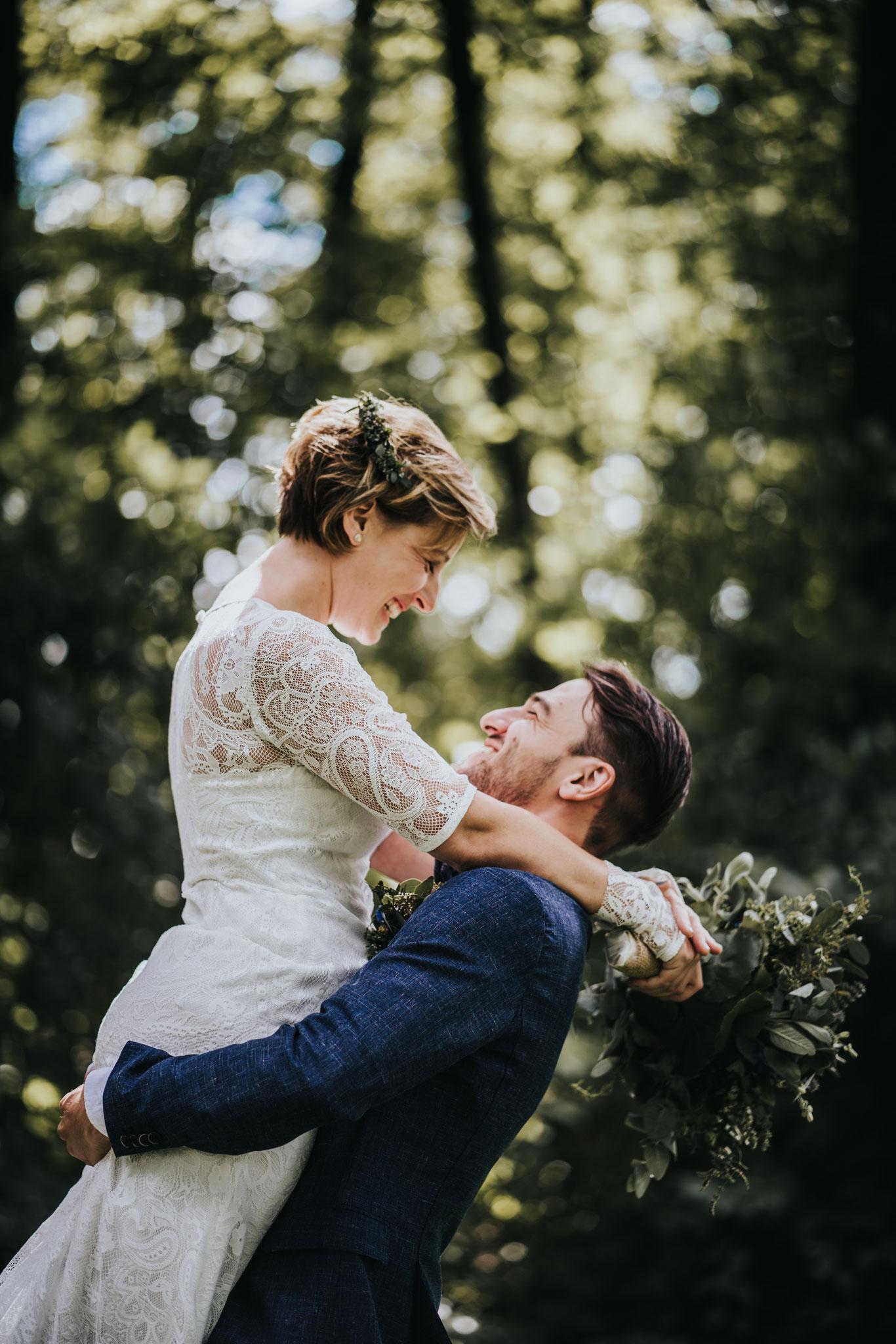 Überglücklich verheiratet (Foto: MOKATI Fotos und Film OHG)
