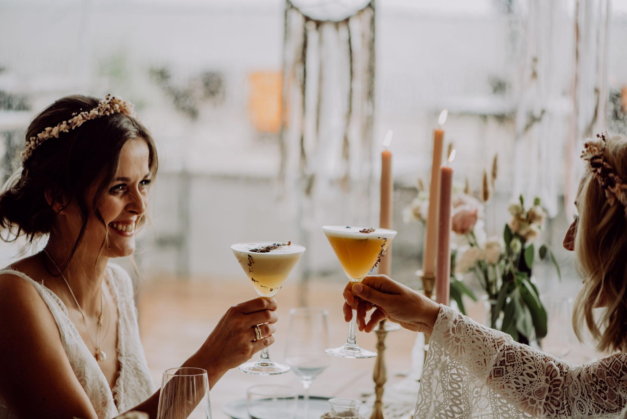 Signature Cocktails eignen sich ebenfalls für das Begießen (Foto: Landei Fotografie)