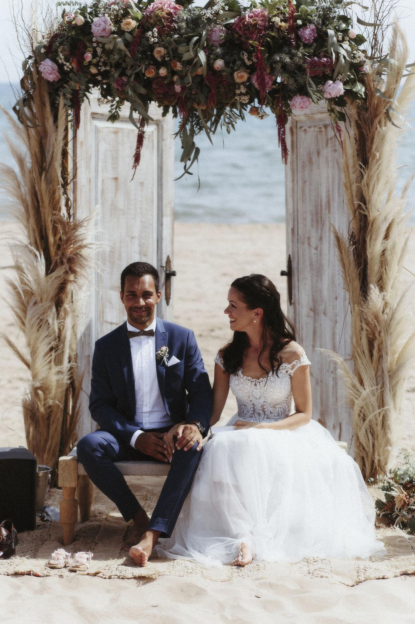 Und die Hochzeitsrede amüsiert (Foto: Revela't)