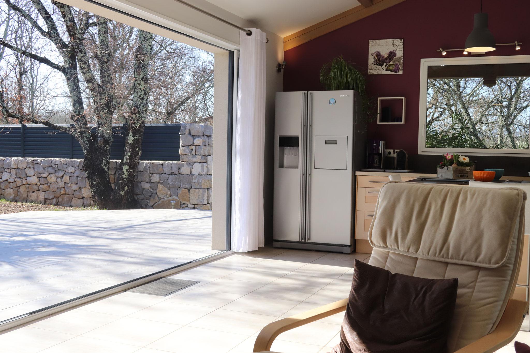 Salon ouvert sur la terrasse