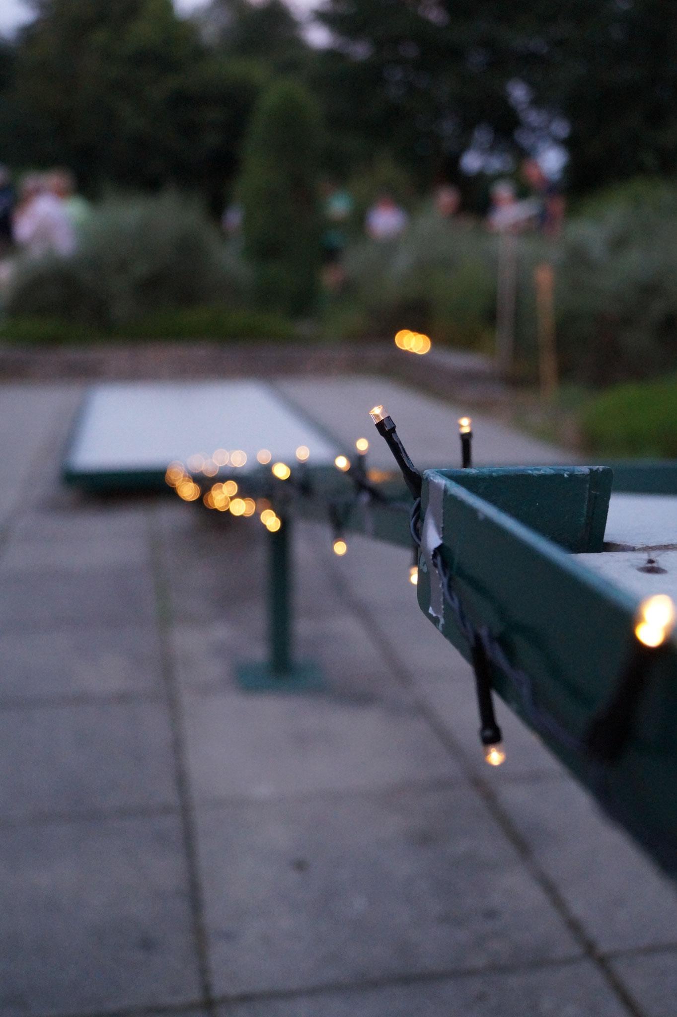 Lichterketten an den Bahnen