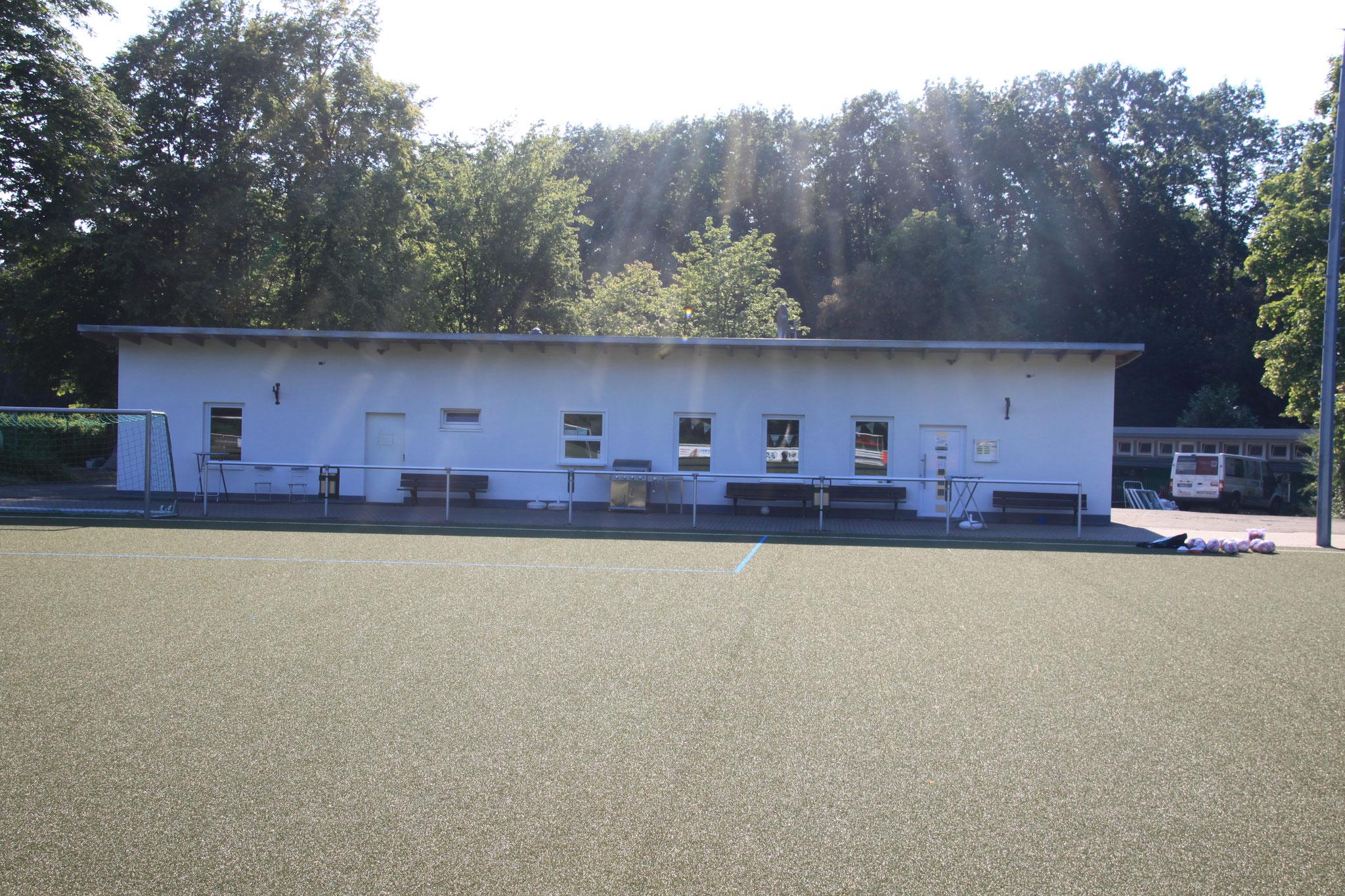 Vereinsheim Sicht Sportplatz