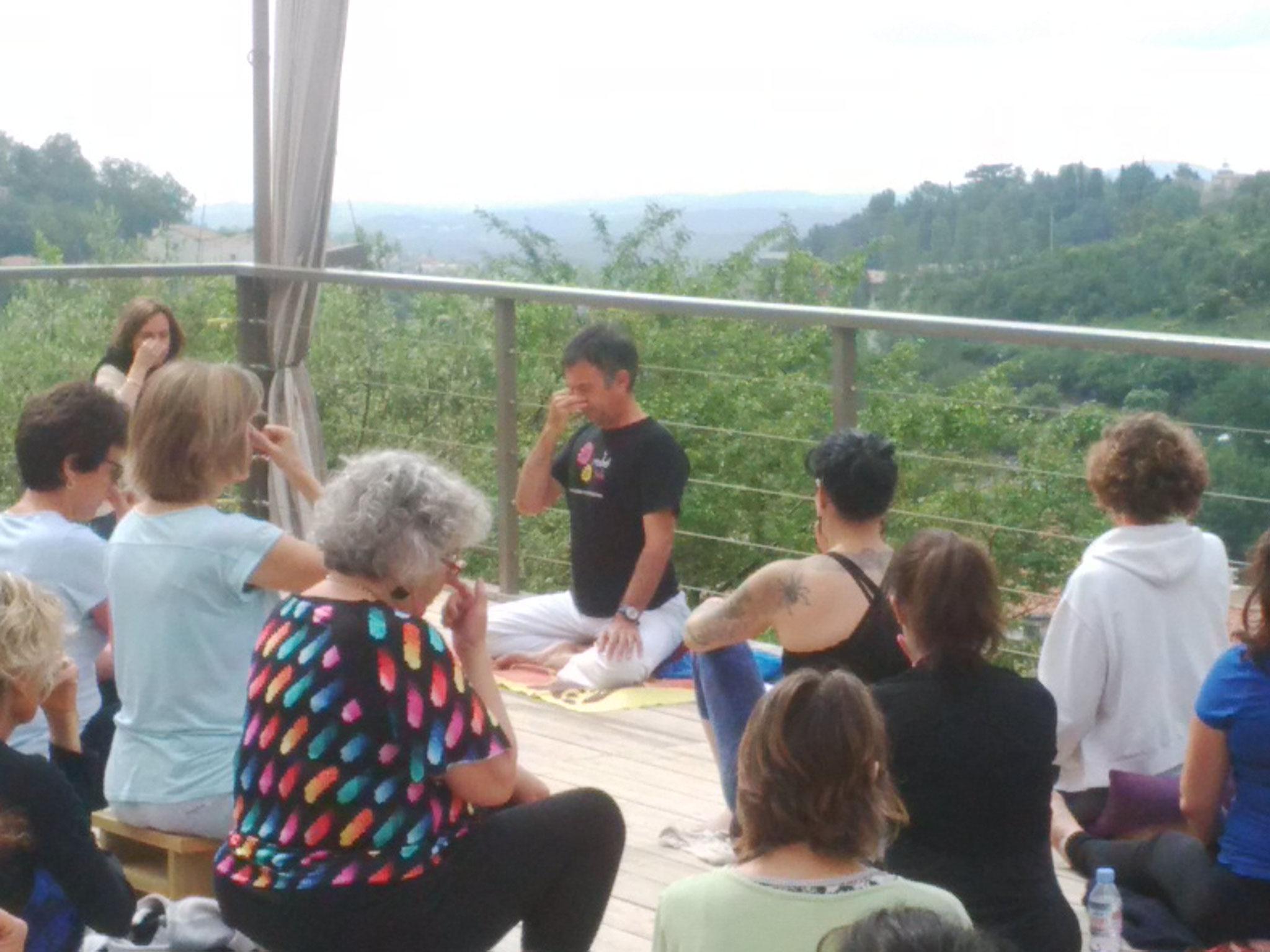 Pranayama sur la terrasse avec Olivier
