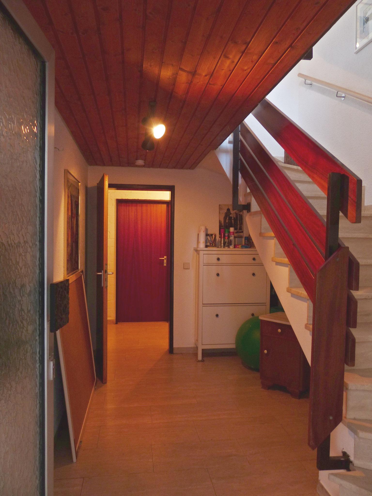 Treppenhaus UG / Hauseingangsbereich