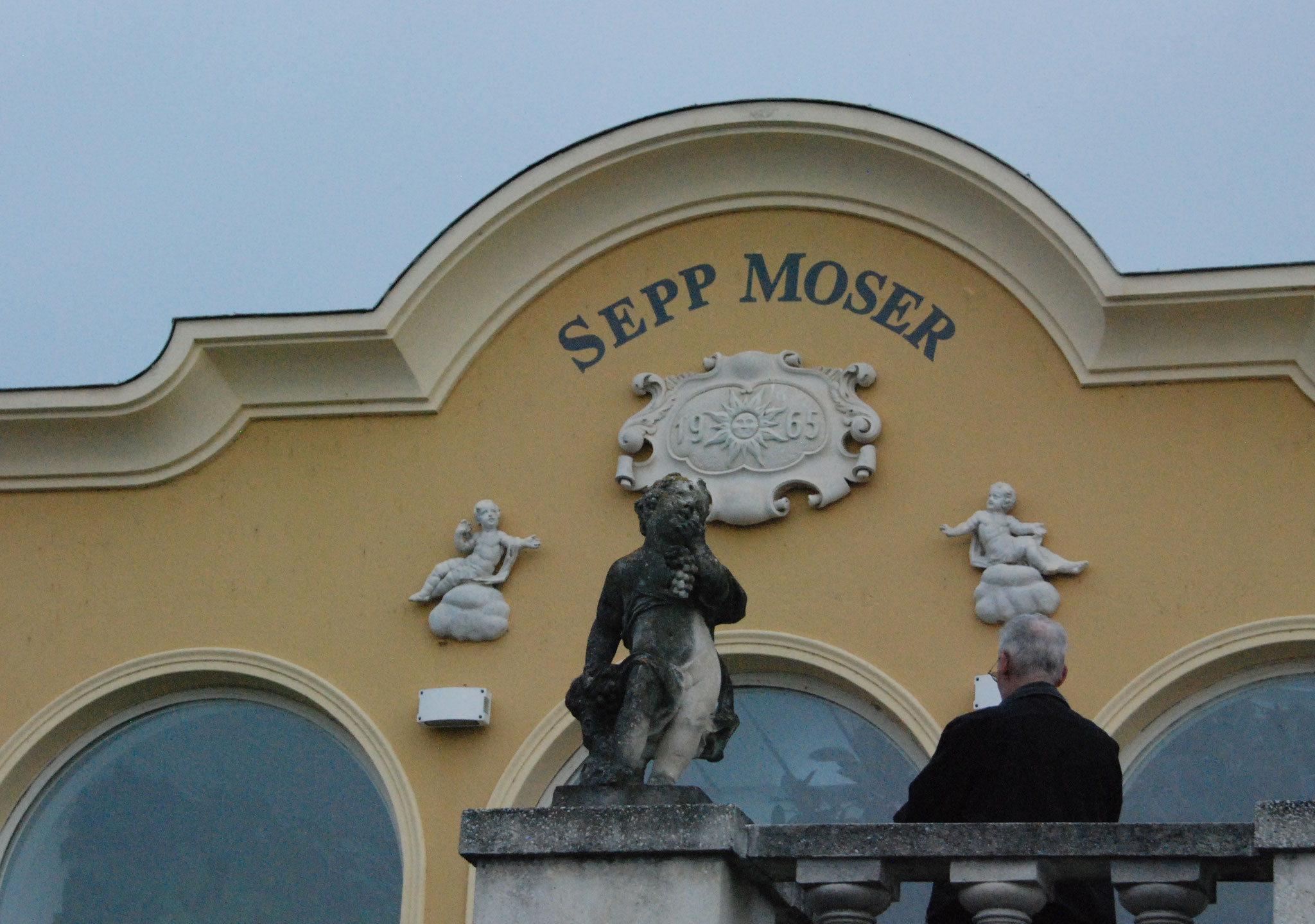 Beim Bio-Winzer Sepp Moser