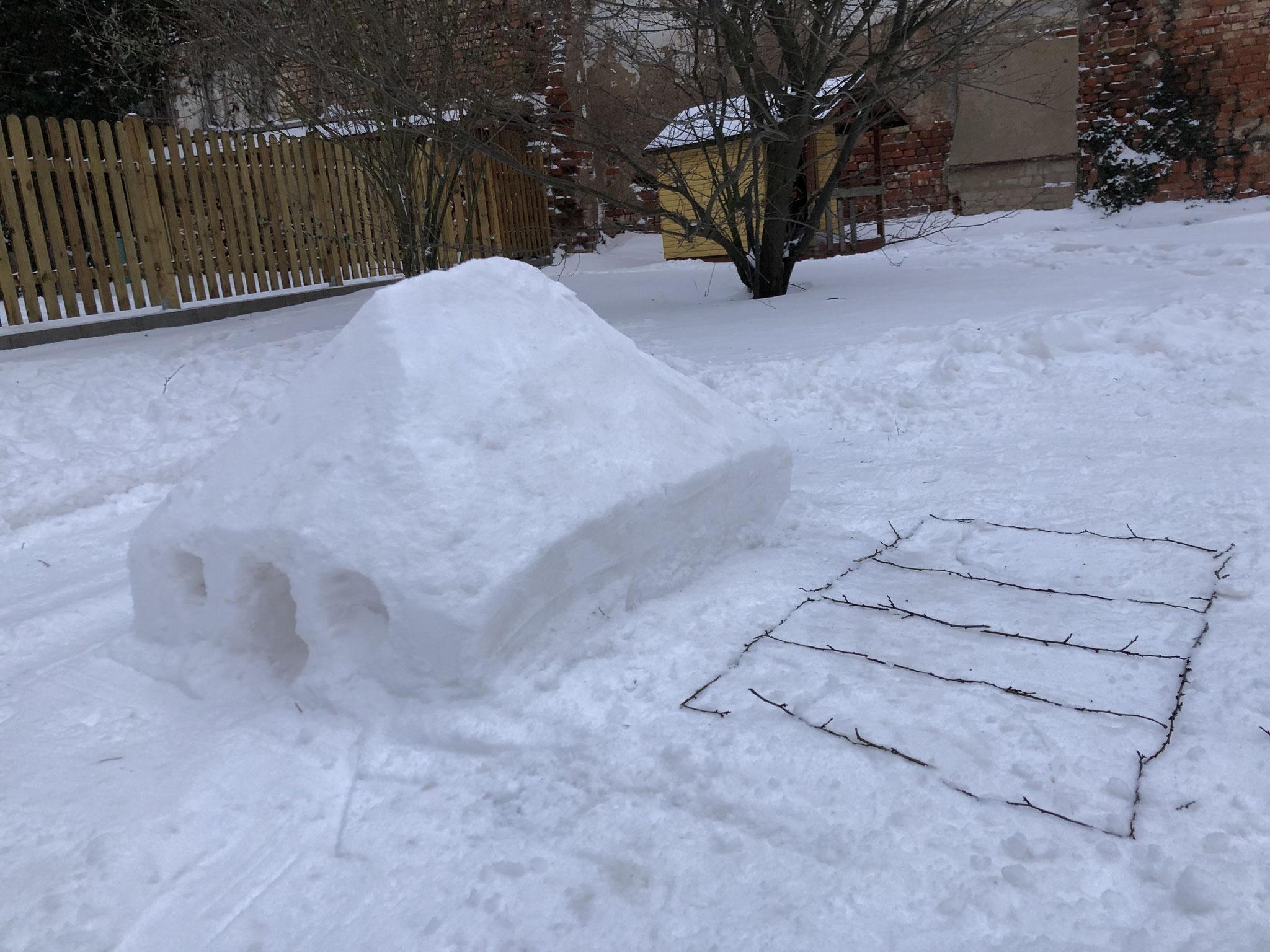 Schnee-Vereinshaus von Lea Pilsl