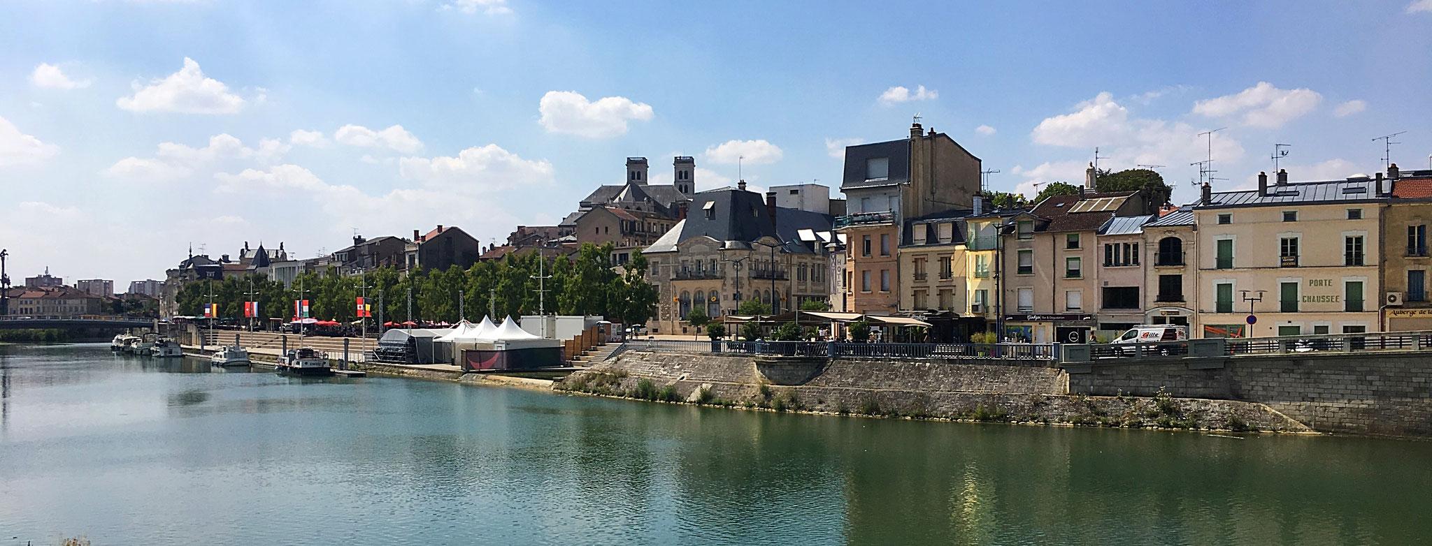 Die Stadt Verdun, an der Maas gelegen.