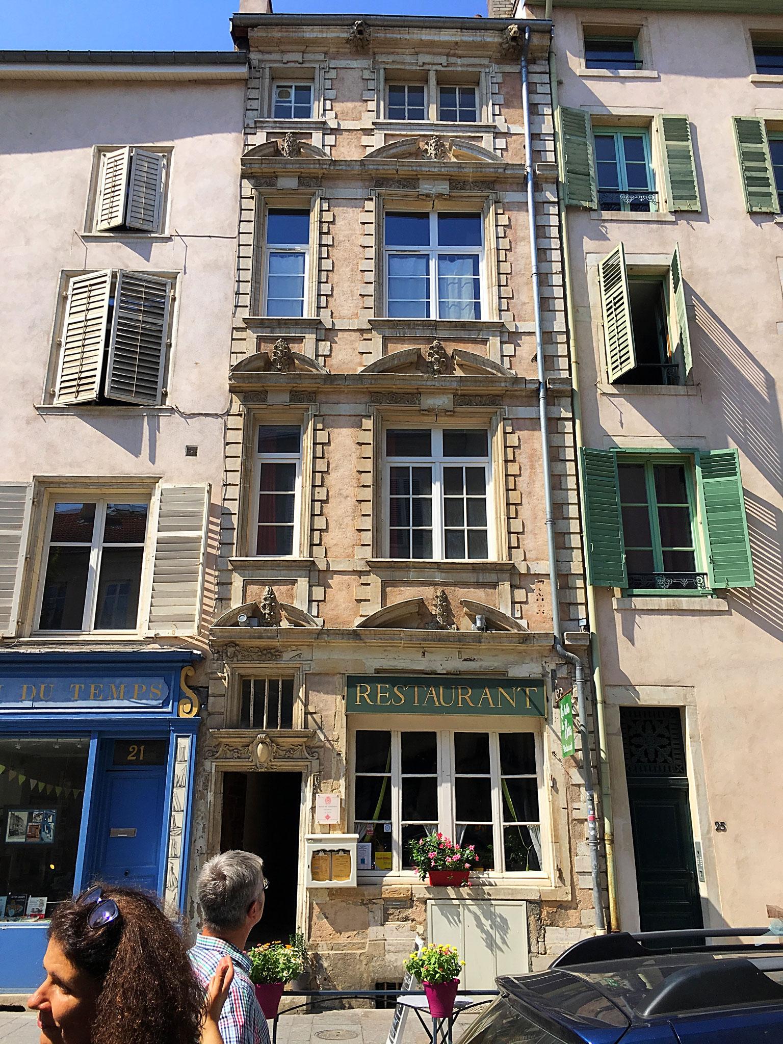 Ein sehr schmales Haus mit Renaissance-Fassade in Nancy