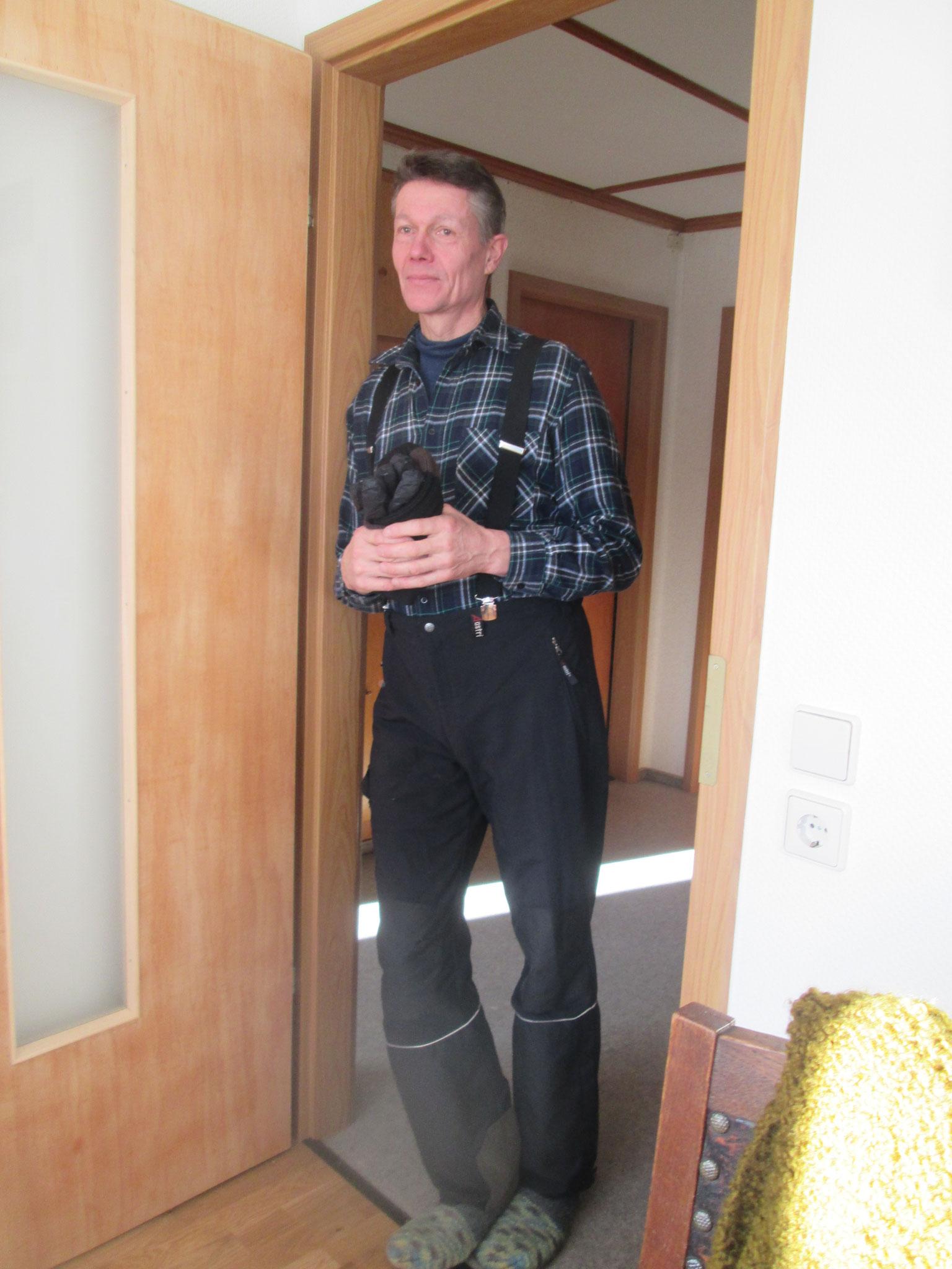 Wolfi erscheint in Skihosen in der Tür… (Fortsetzung folgt)