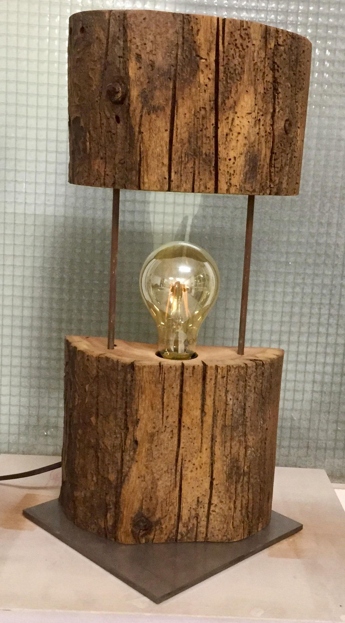 Lampe aus Altholz
