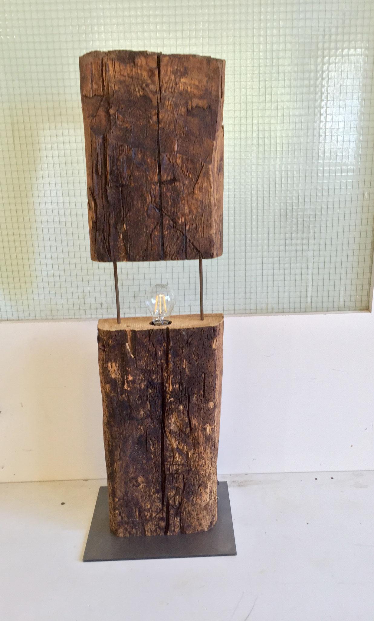 Lampe aus Altholz aus dem Eifischtal