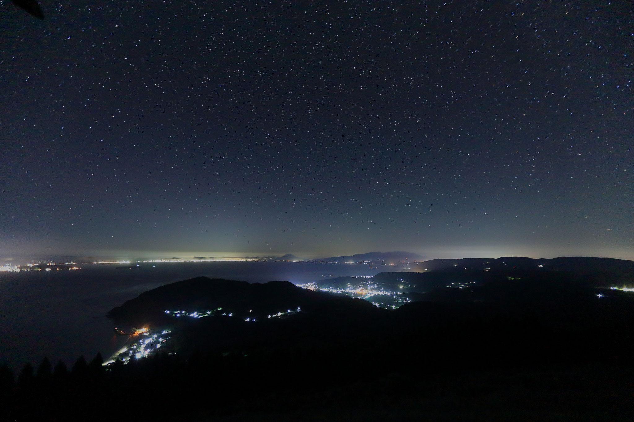 パノラマパーク西原台、夜の眺め(8/16 南大隅町)