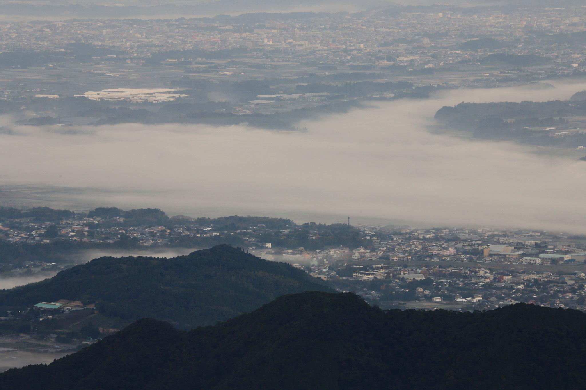 肝付町平野部を覆う朝の霧(12/8 肝付町)