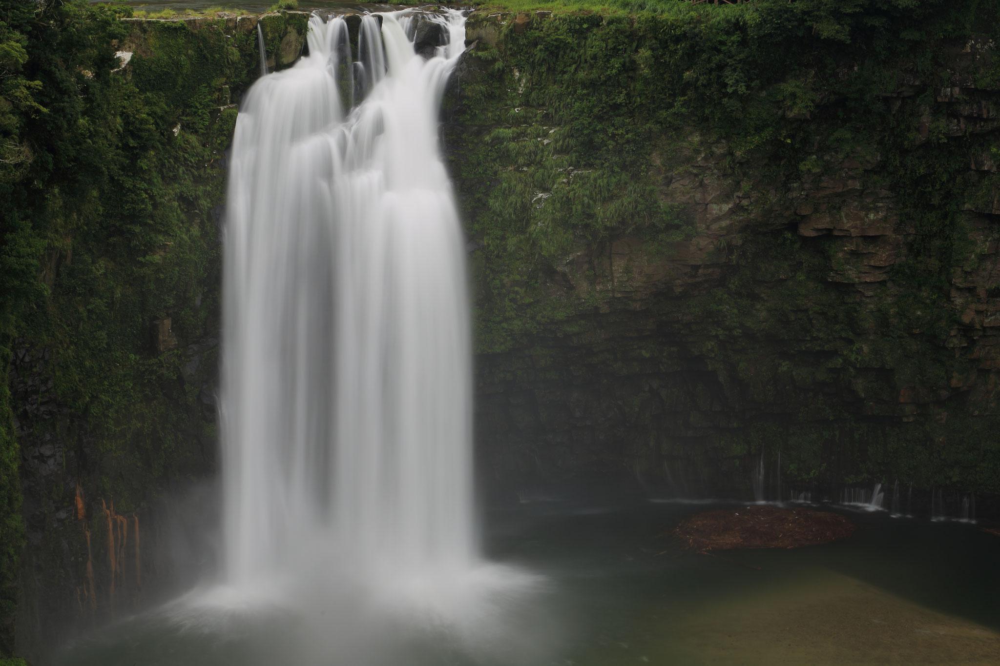 水量増加の雄川の滝(9/13 錦江町)