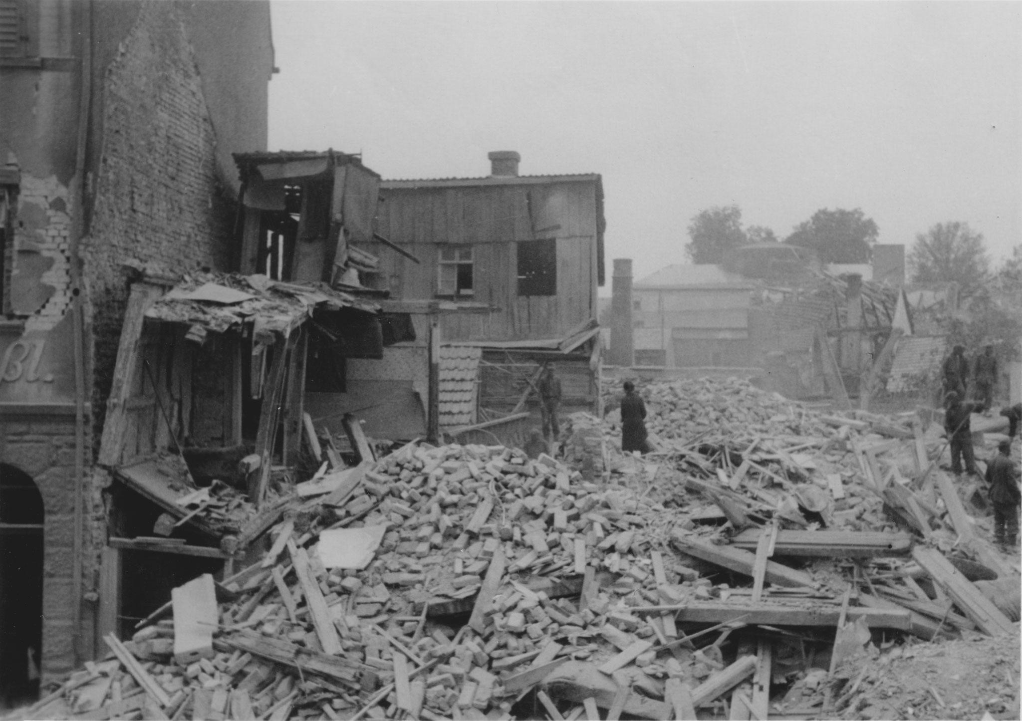 Wolfsgasse 12, 22.07.1944, Blick zum Ernst-Sachs-Bad