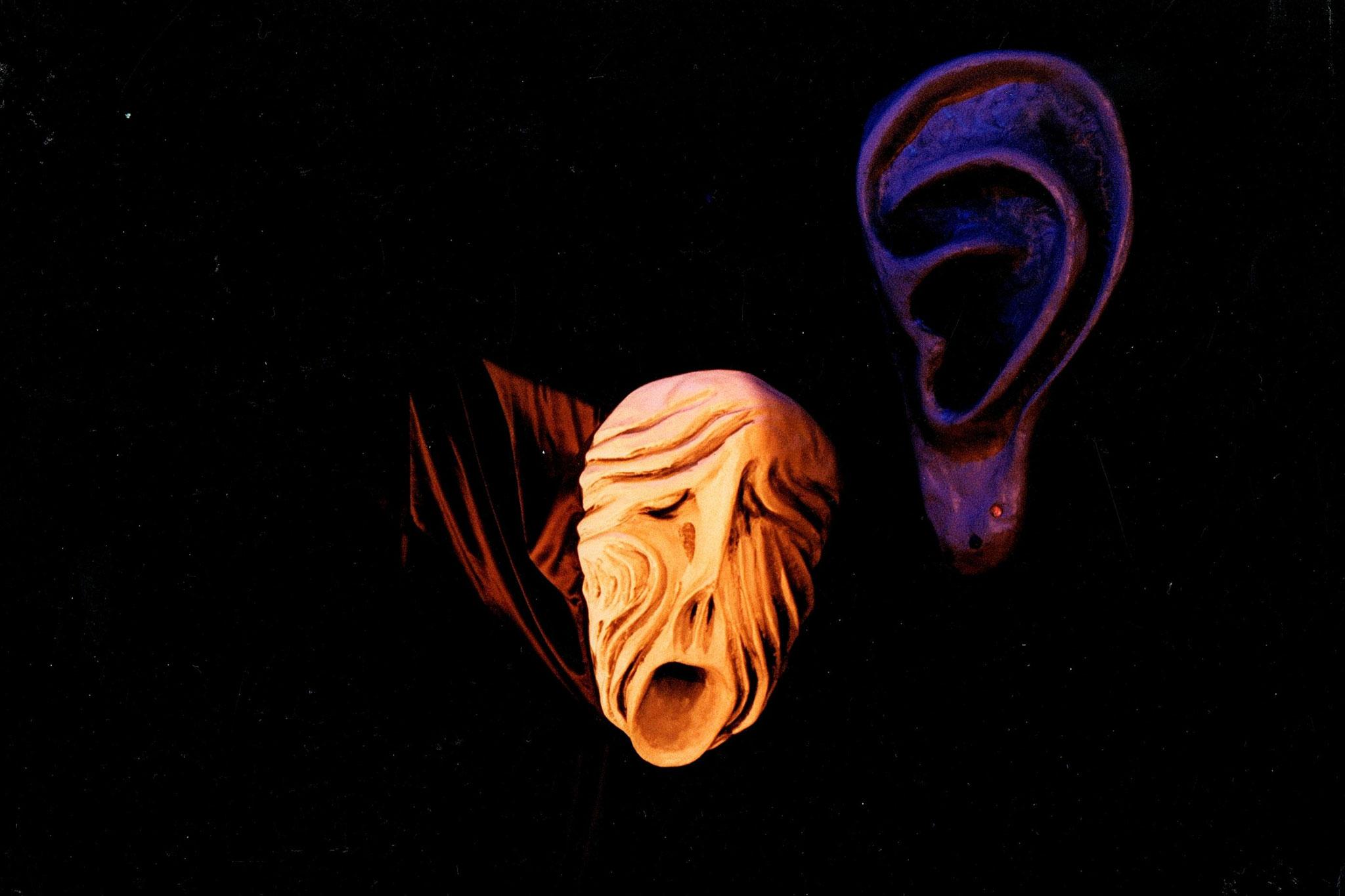 Do you hear it scream?, mask installation