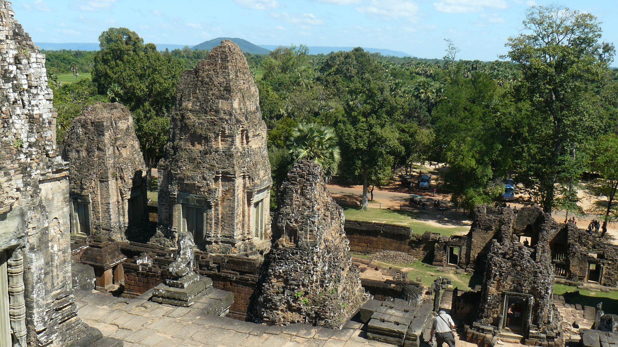 Kambodscha, Angkor Wat - Auf dem Tempel, auf dem Roman das erste Mal durchatmen kann