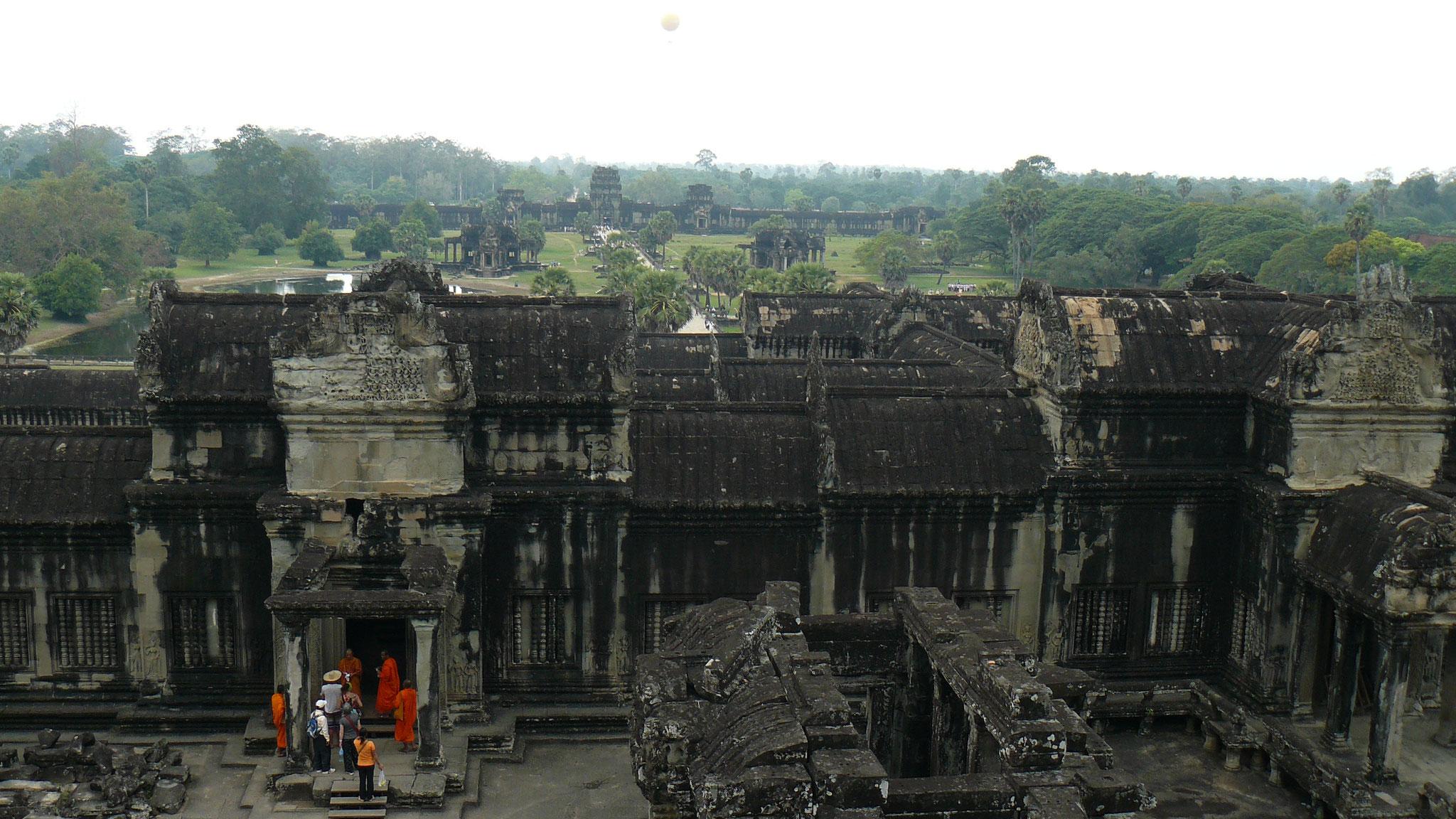 Kambodscha, Angkor Wat - Roman und Lena liefern sich ein Tuk Tuk-Rennen