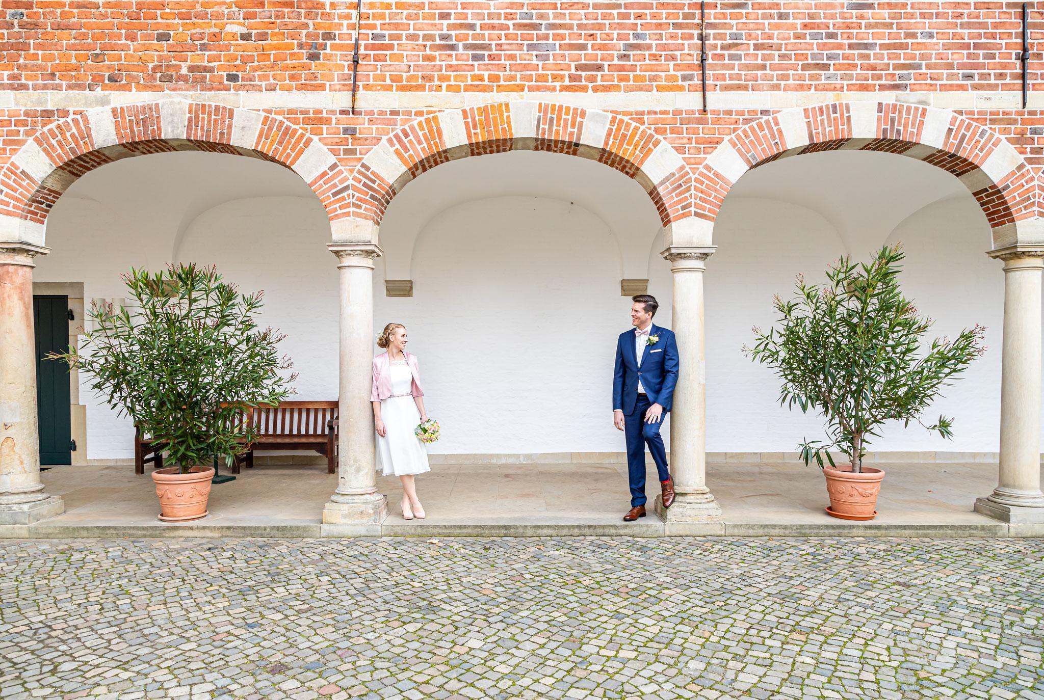 Hochzeitsotos mit Frieda und Erik am Eutiner Schloss, mit Dennis Bober von debo-Fotograf.