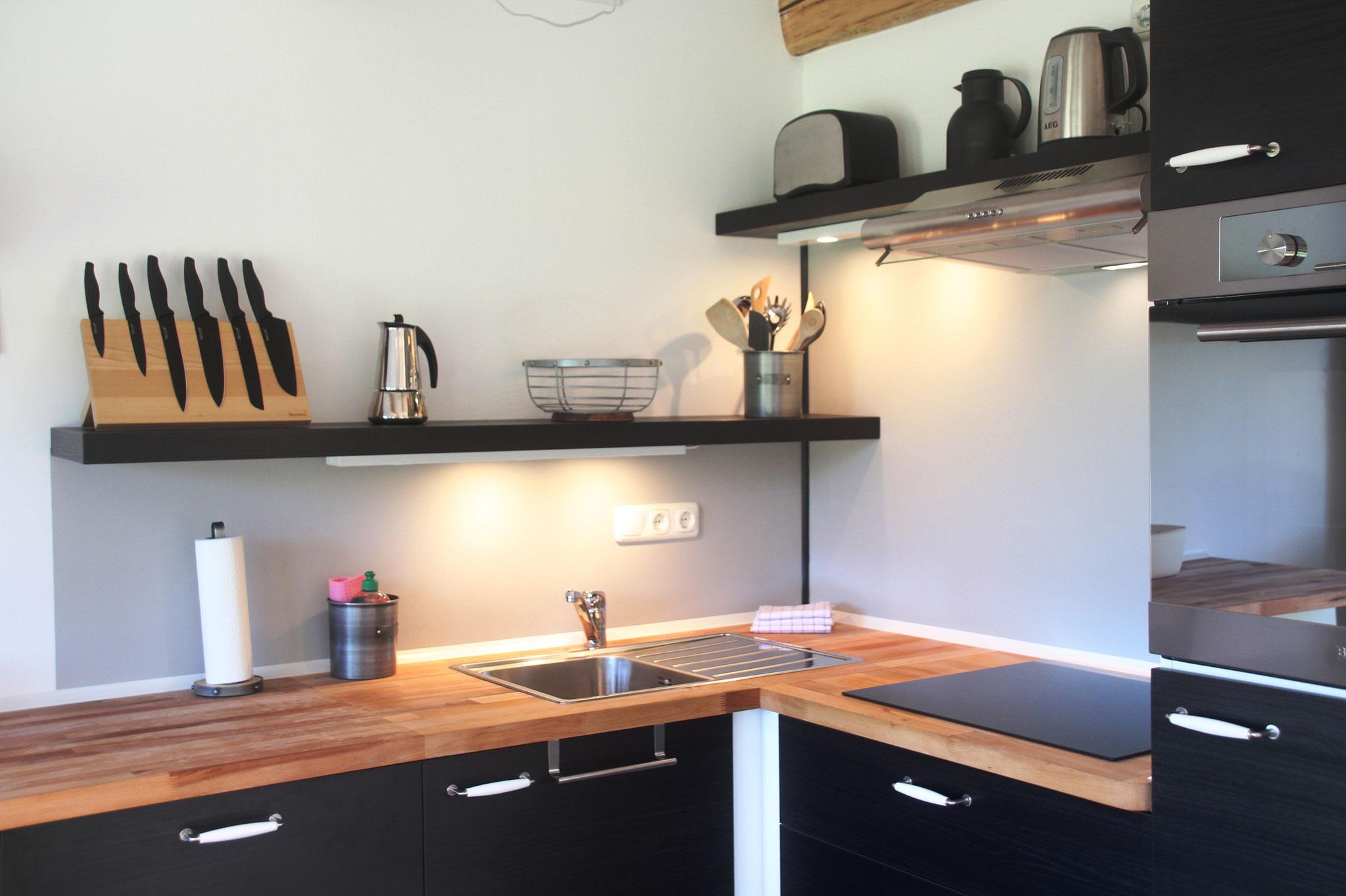Küche mit Ceran-Kochfeld