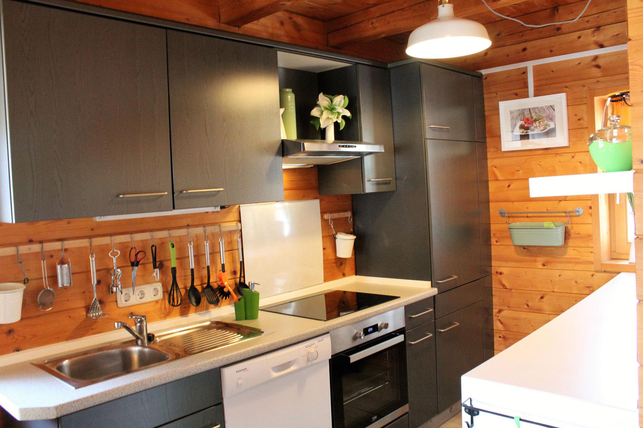 voll ausgestattete Küche ©KnallerbsenHof