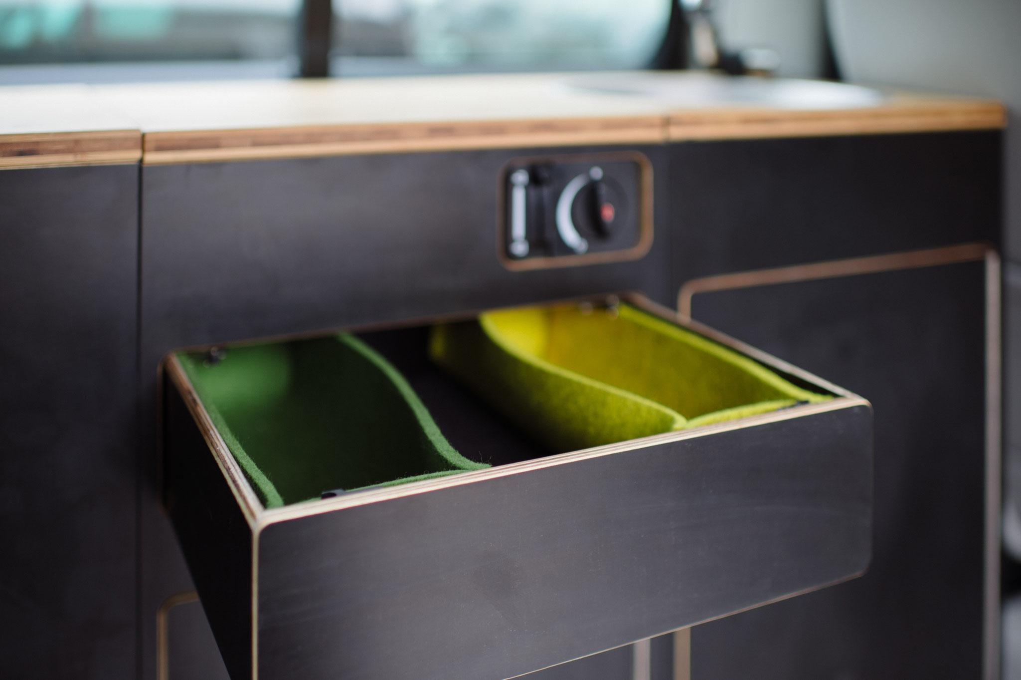 Filztaschen sorgen für Ordnung in der Besteckschublade