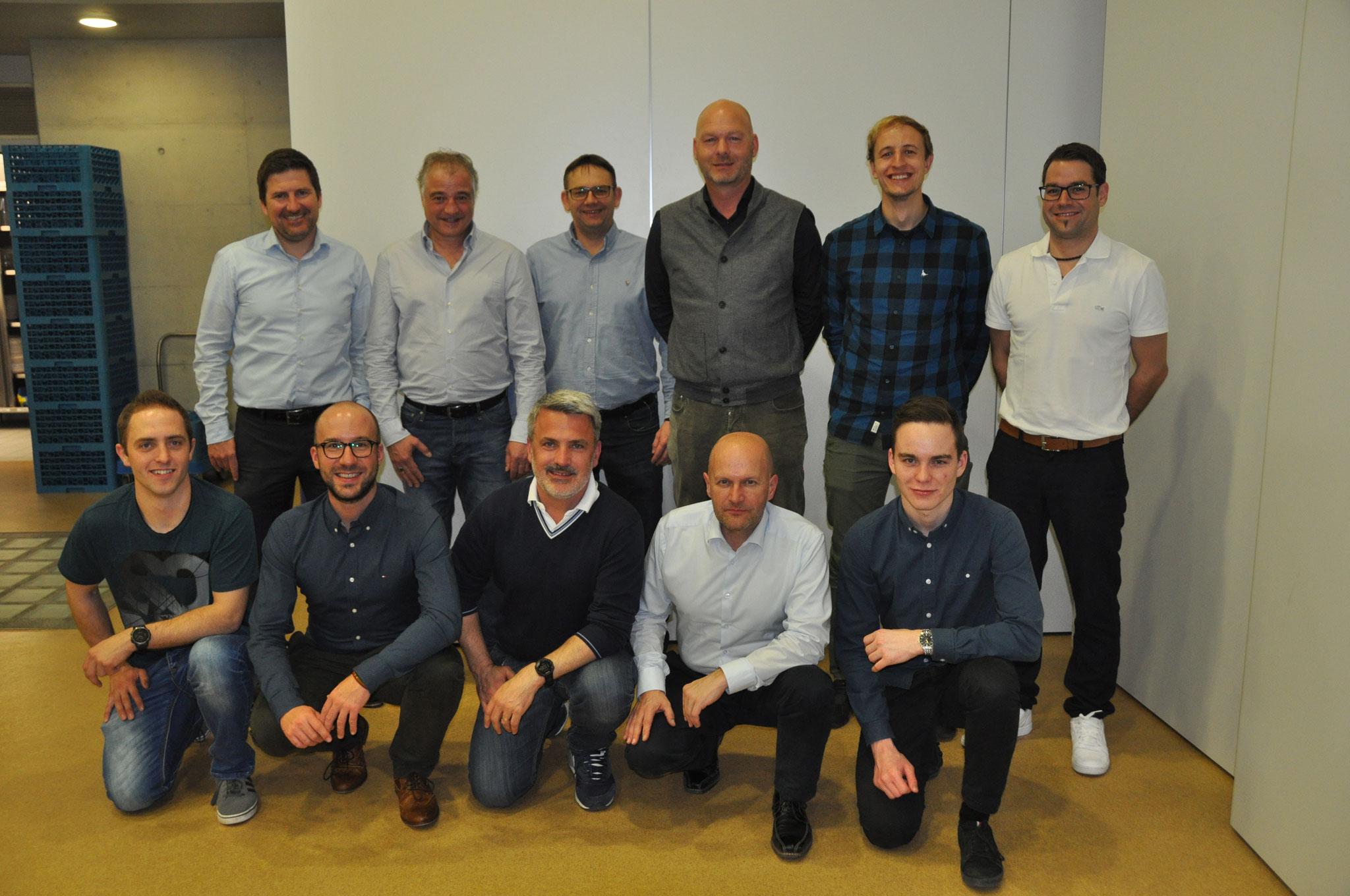 Die abtretenden und neuen Vorstandsmitglieder.