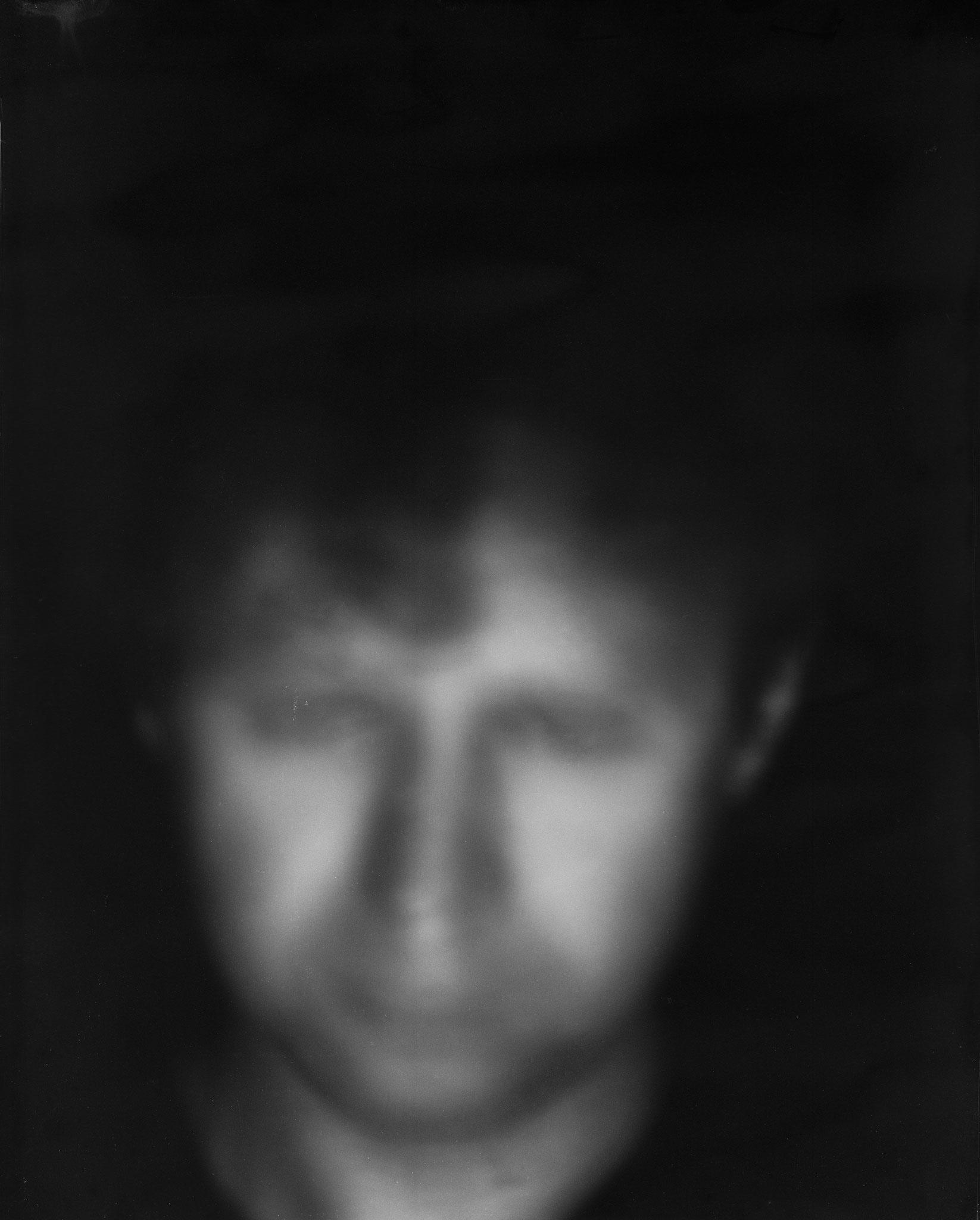 Dmitrij, Langzeitbelichtung von über 40 Minuten, 2014  belichtet auf 8 x 10inch Negativmaterial, Pigmentdruck auf Büttenpapier, Grösse variabel