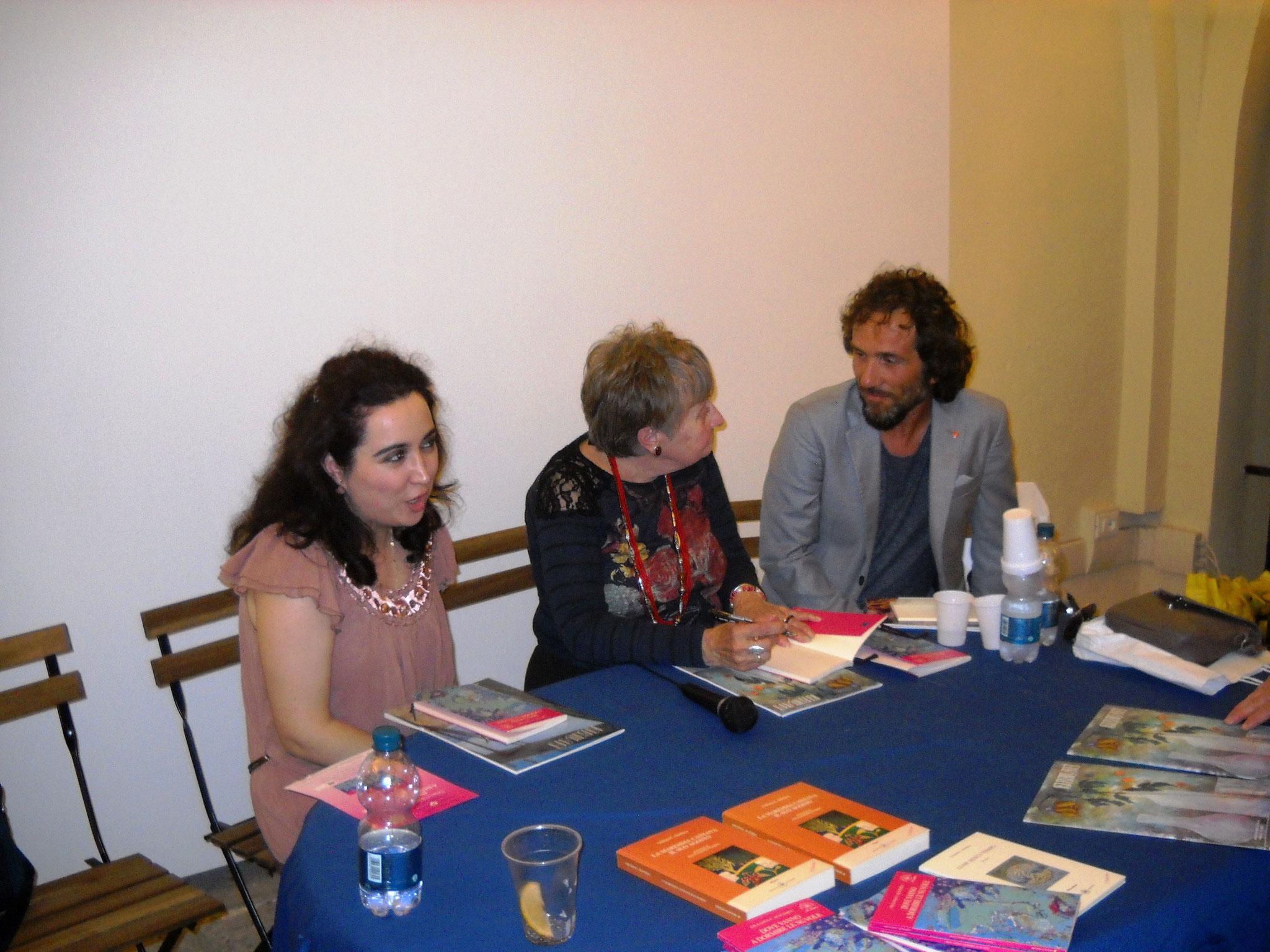 Conclusione della serata e alcuni confronti fra l'autrice e collaboratori dell'evento